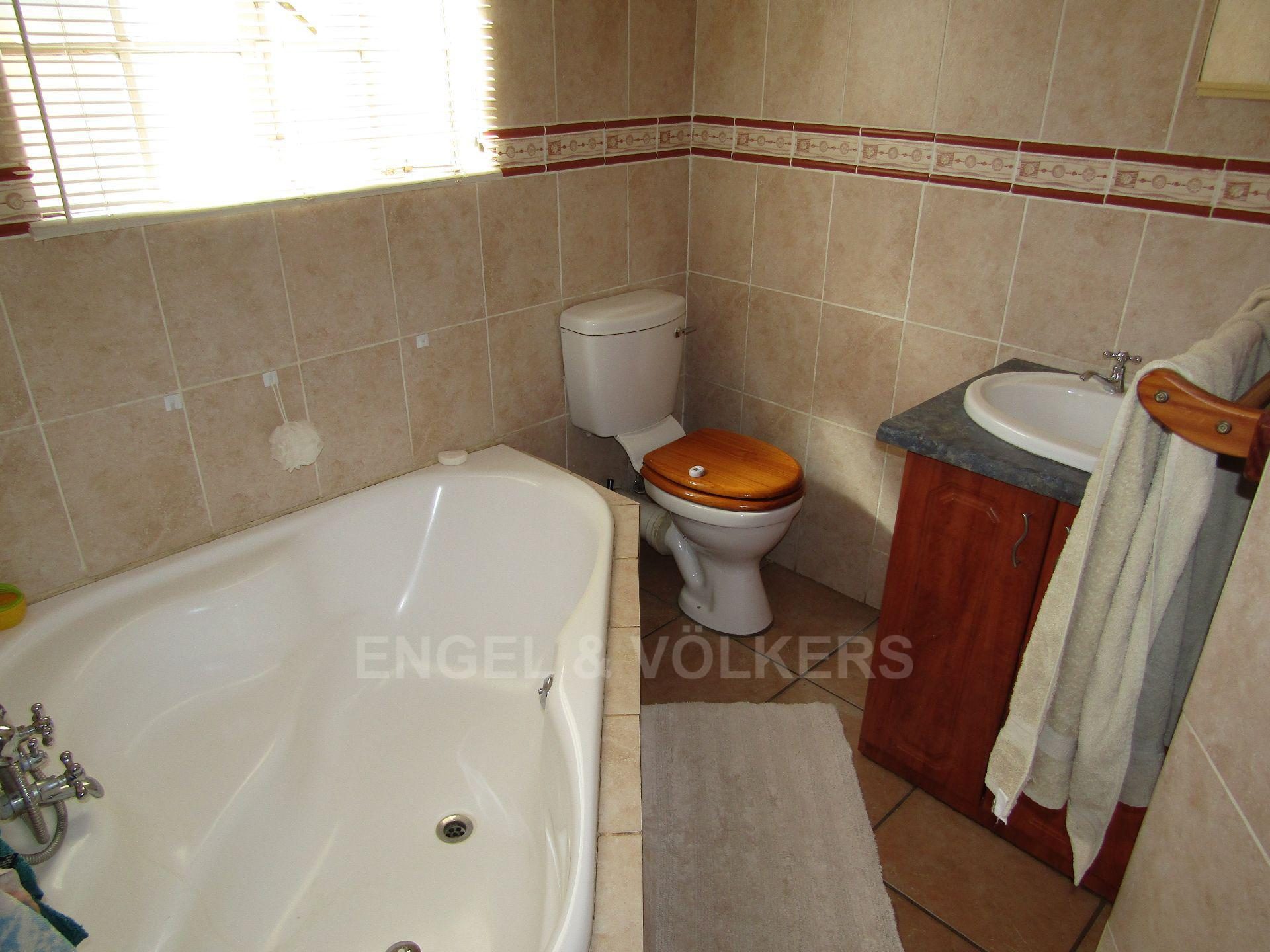 Baillie Park property for sale. Ref No: 13520599. Picture no 11
