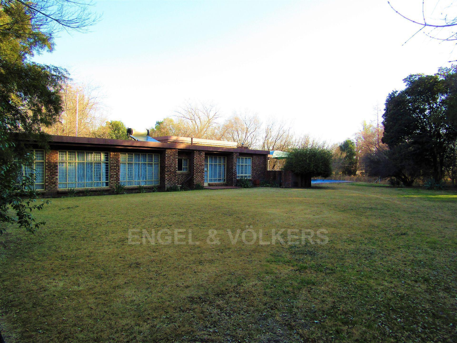 Potchefstroom, Van Der Hoff Park Property    Houses For Sale Van Der Hoff Park, VAN DER HOFF PARK, House 4 bedrooms property for sale Price:5,990,000