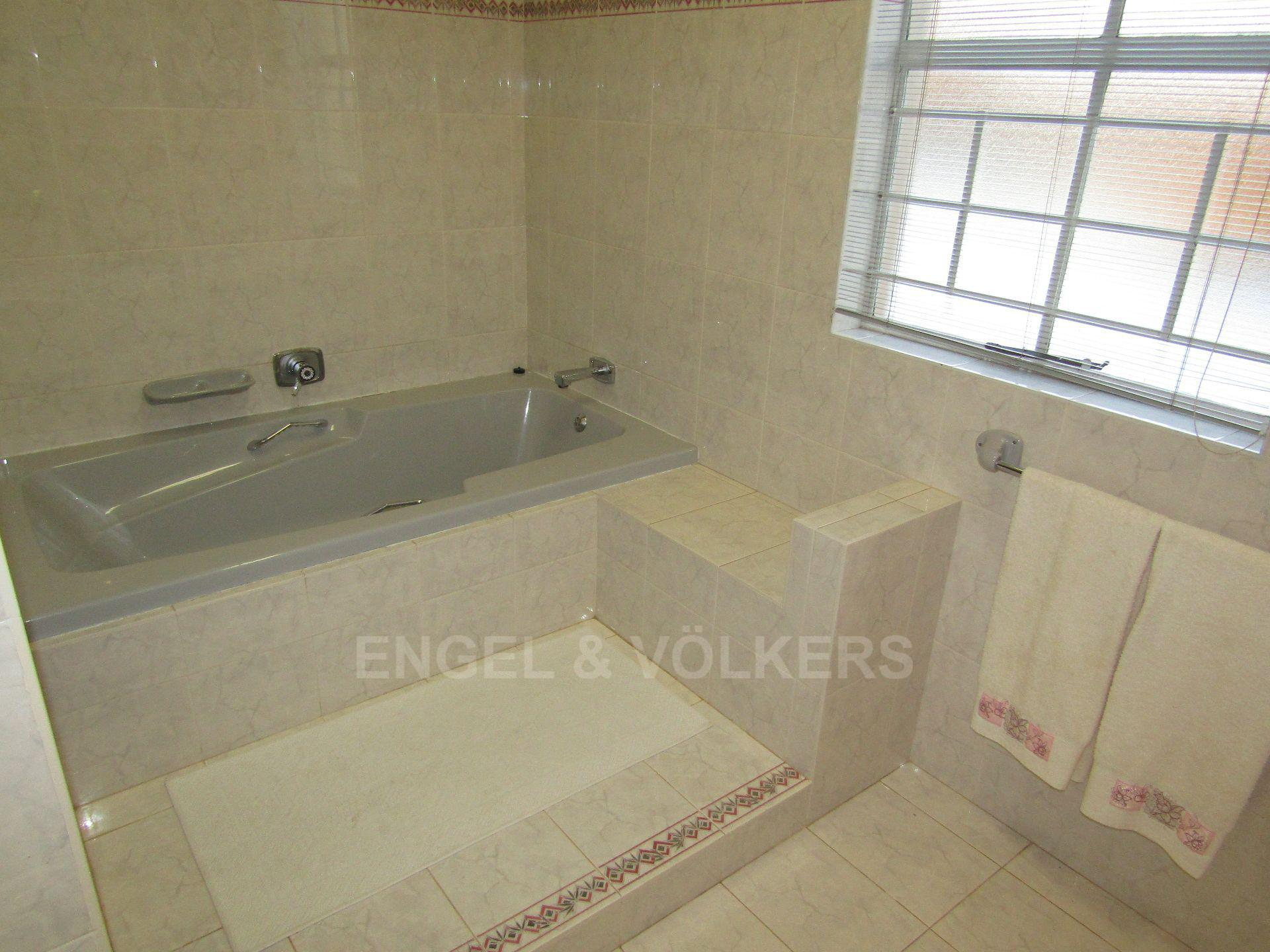 Grimbeeck Park property for sale. Ref No: 13545564. Picture no 18