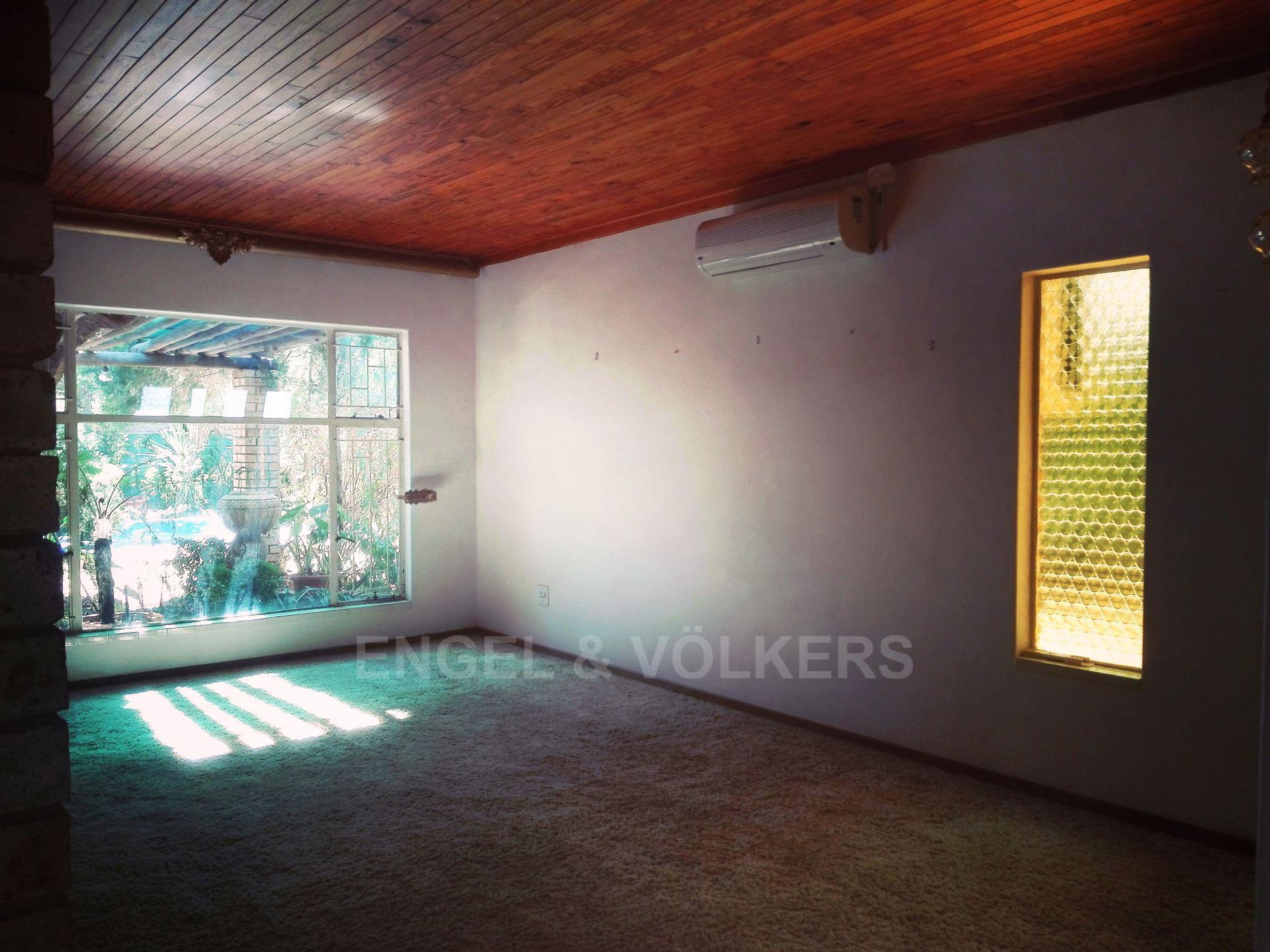 Van Der Hoff Park property for sale. Ref No: 13511325. Picture no 8