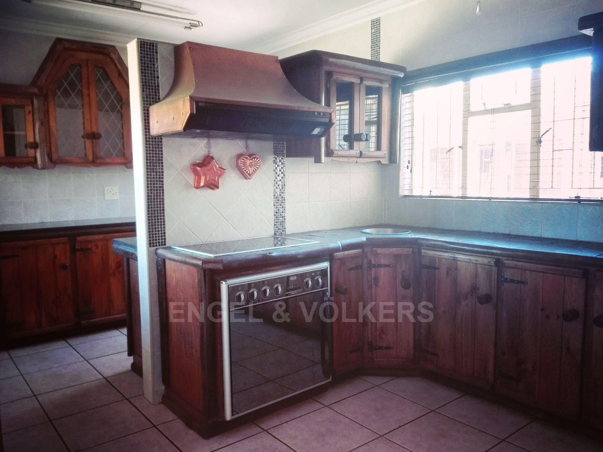 Van Der Hoff Park property for sale. Ref No: 13511325. Picture no 12