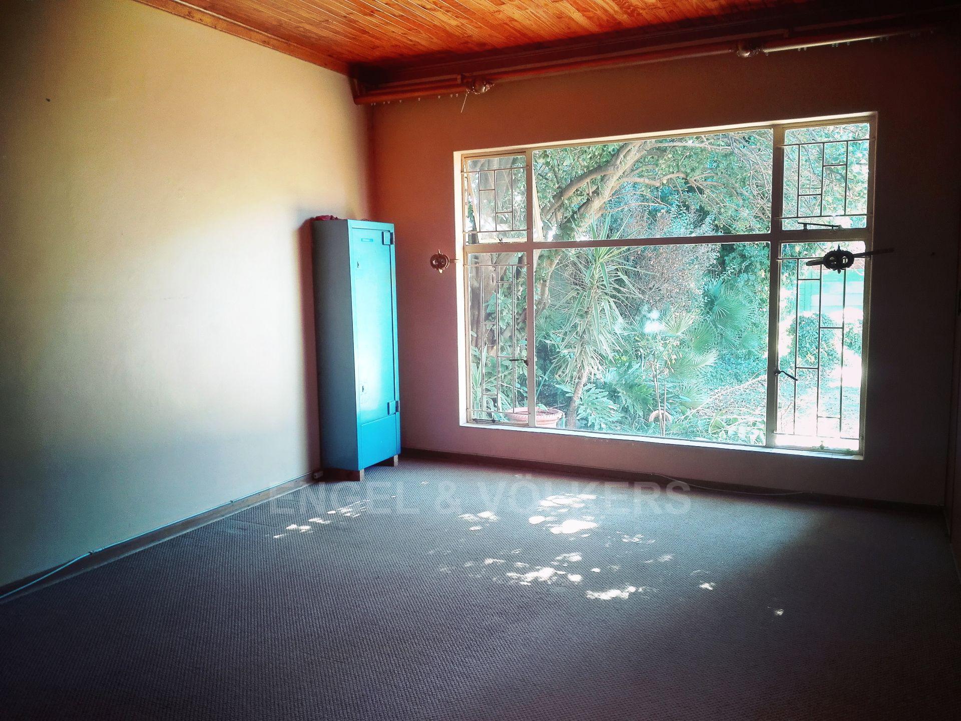 Van Der Hoff Park property for sale. Ref No: 13511325. Picture no 21
