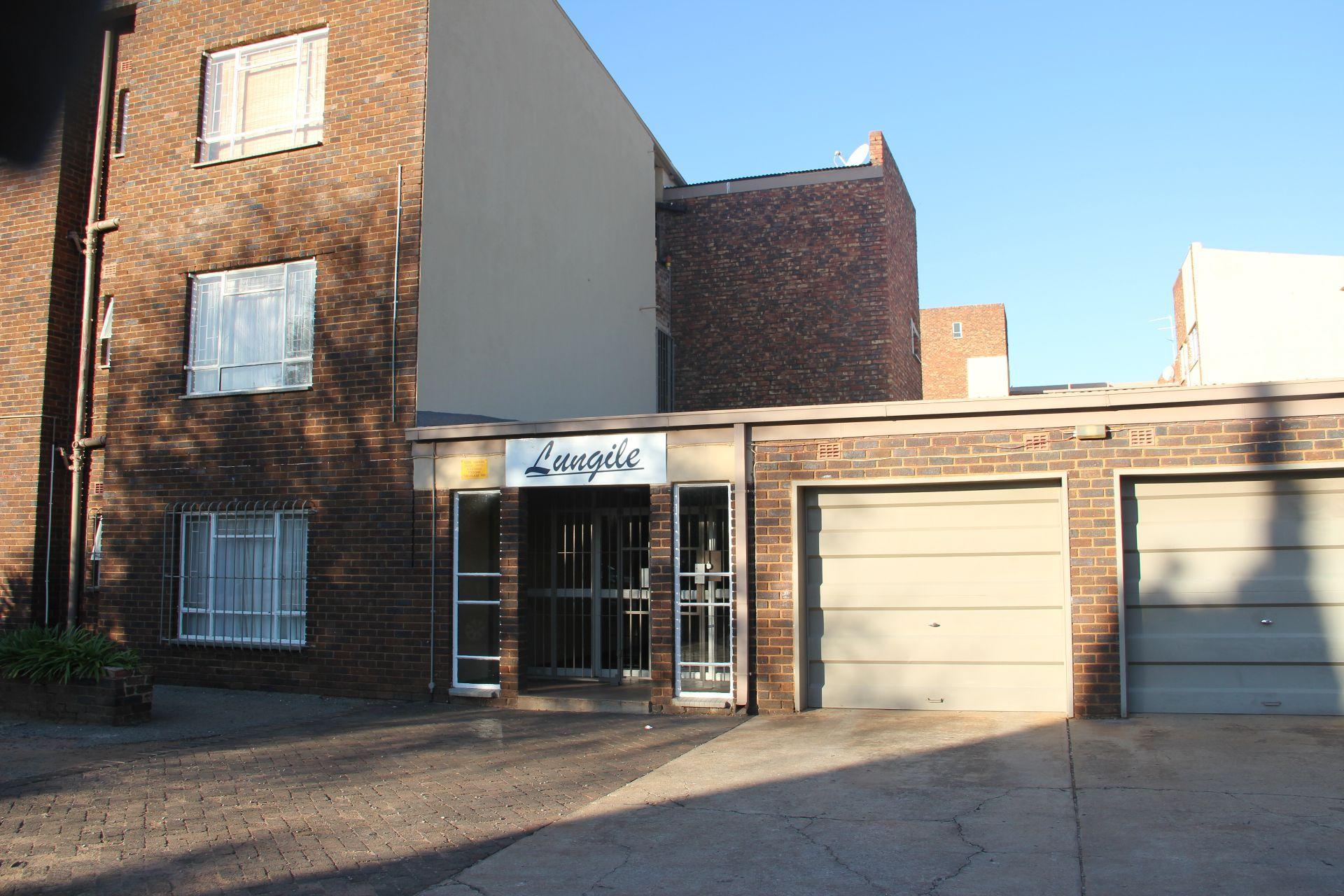 Potchefstroom, Potchefstroom Central Property  | Houses To Rent Potchefstroom Central, POTCHEFSTROOM CENTRAL, Apartment 2 bedrooms property to rent Price:,  4,20*