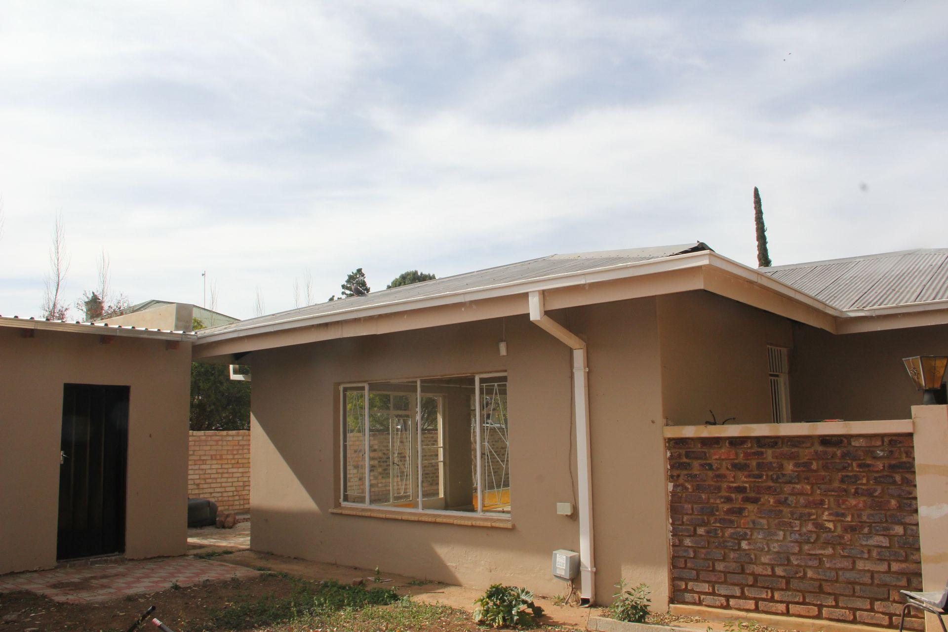 Potchefstroom, Potchefstroom Central Property  | Houses To Rent Potchefstroom Central, POTCHEFSTROOM CENTRAL, House 3 bedrooms property to rent Price:,  8,00*