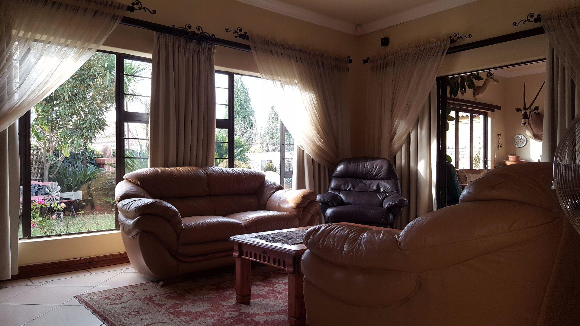 Baillie Park property for sale. Ref No: 13499359. Picture no 8