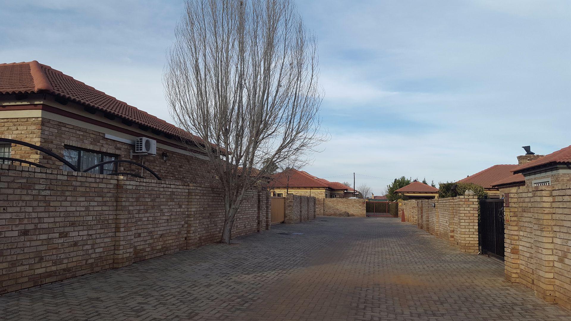 Baillie Park property for sale. Ref No: 13499359. Picture no 4