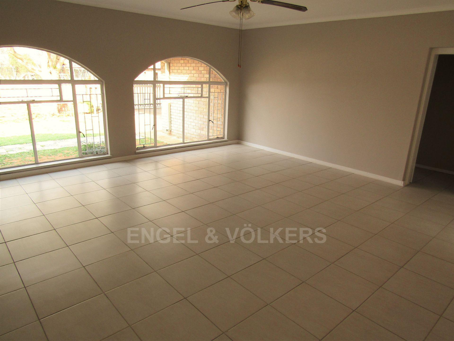 Potchefstroom Central property for sale. Ref No: 13522202. Picture no 4