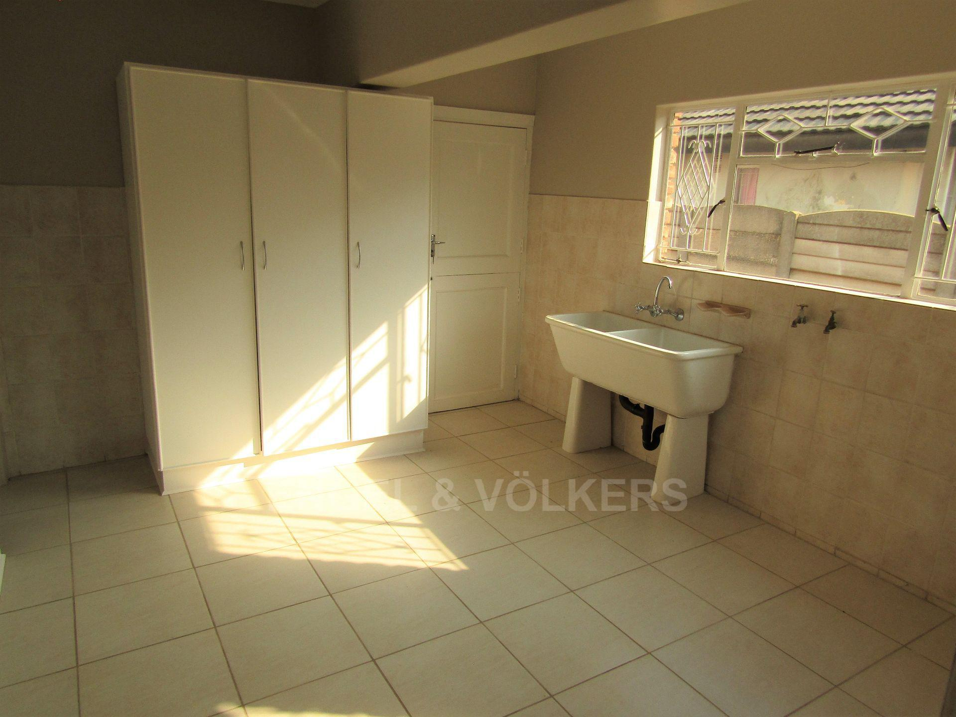 Potchefstroom Central property for sale. Ref No: 13522202. Picture no 10