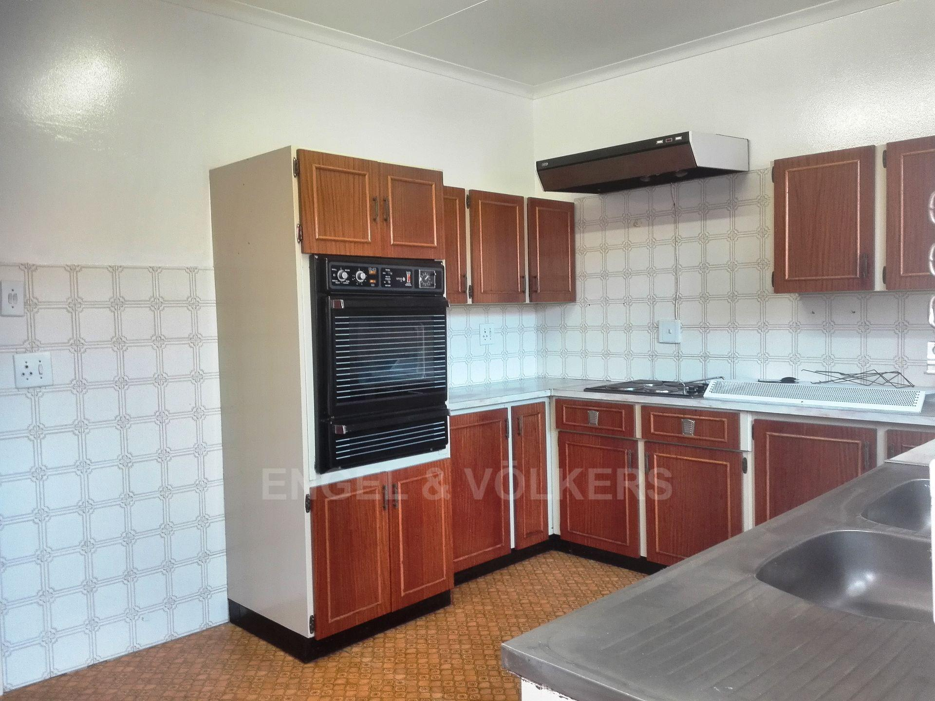 Potchefstroom Central property for sale. Ref No: 13498695. Picture no 5