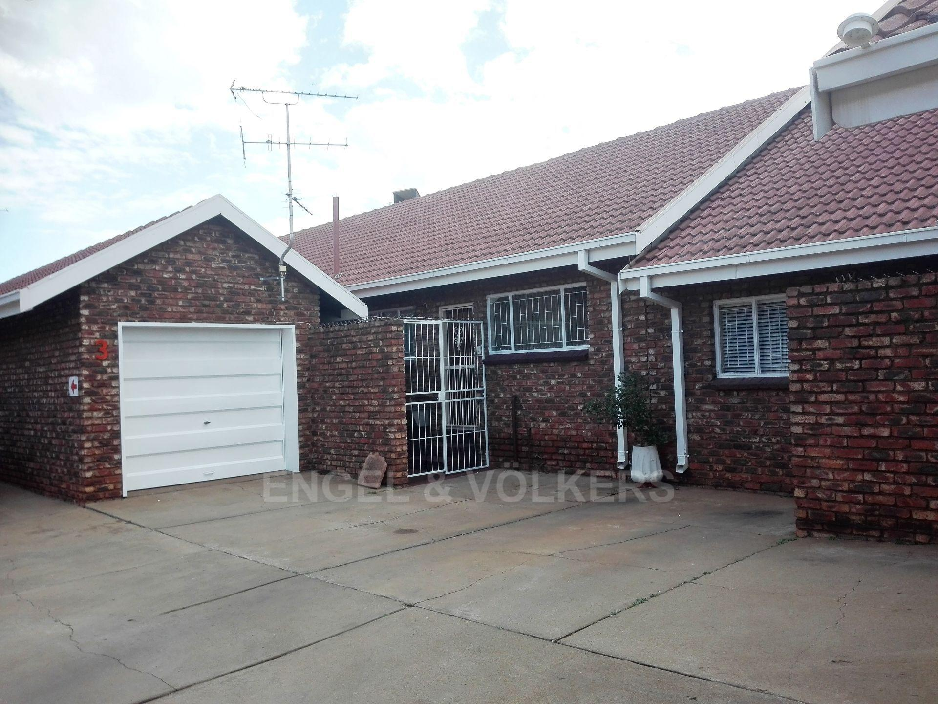 Potchefstroom Central for sale property. Ref No: 13498695. Picture no 1