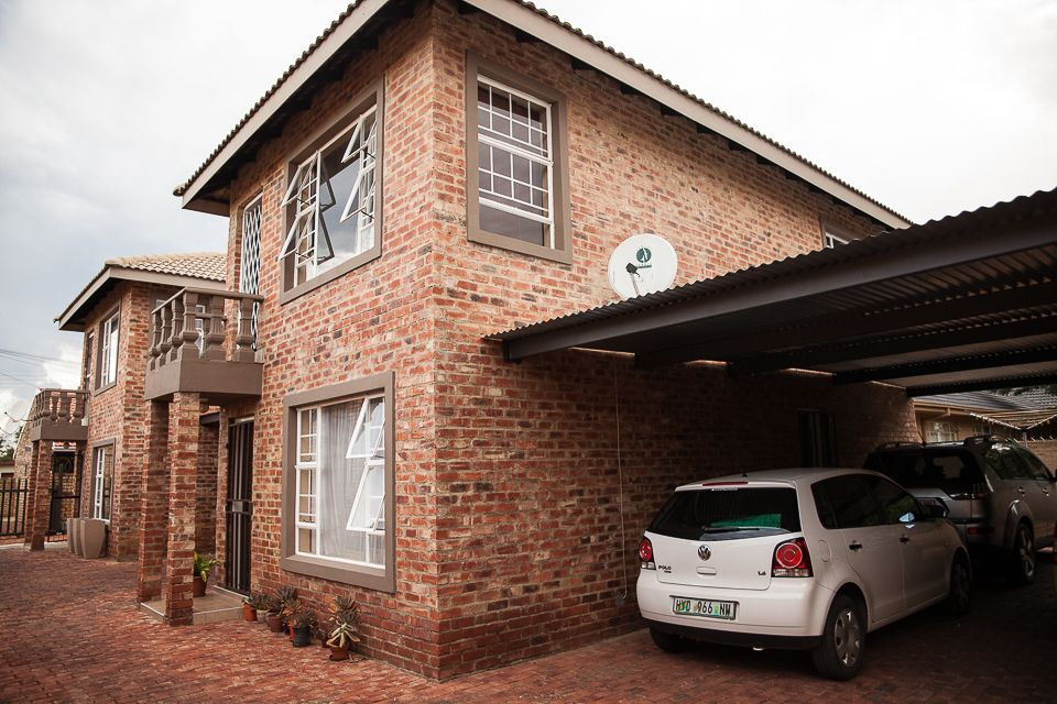 Potchefstroom Central property for sale. Ref No: 13504336. Picture no 1