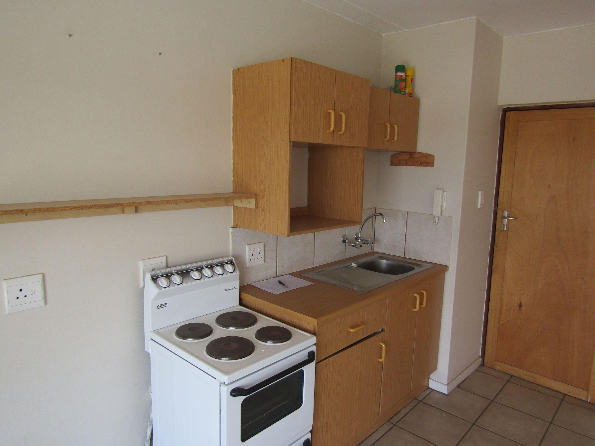 Kannoniers Park property for sale. Ref No: 13510733. Picture no 9