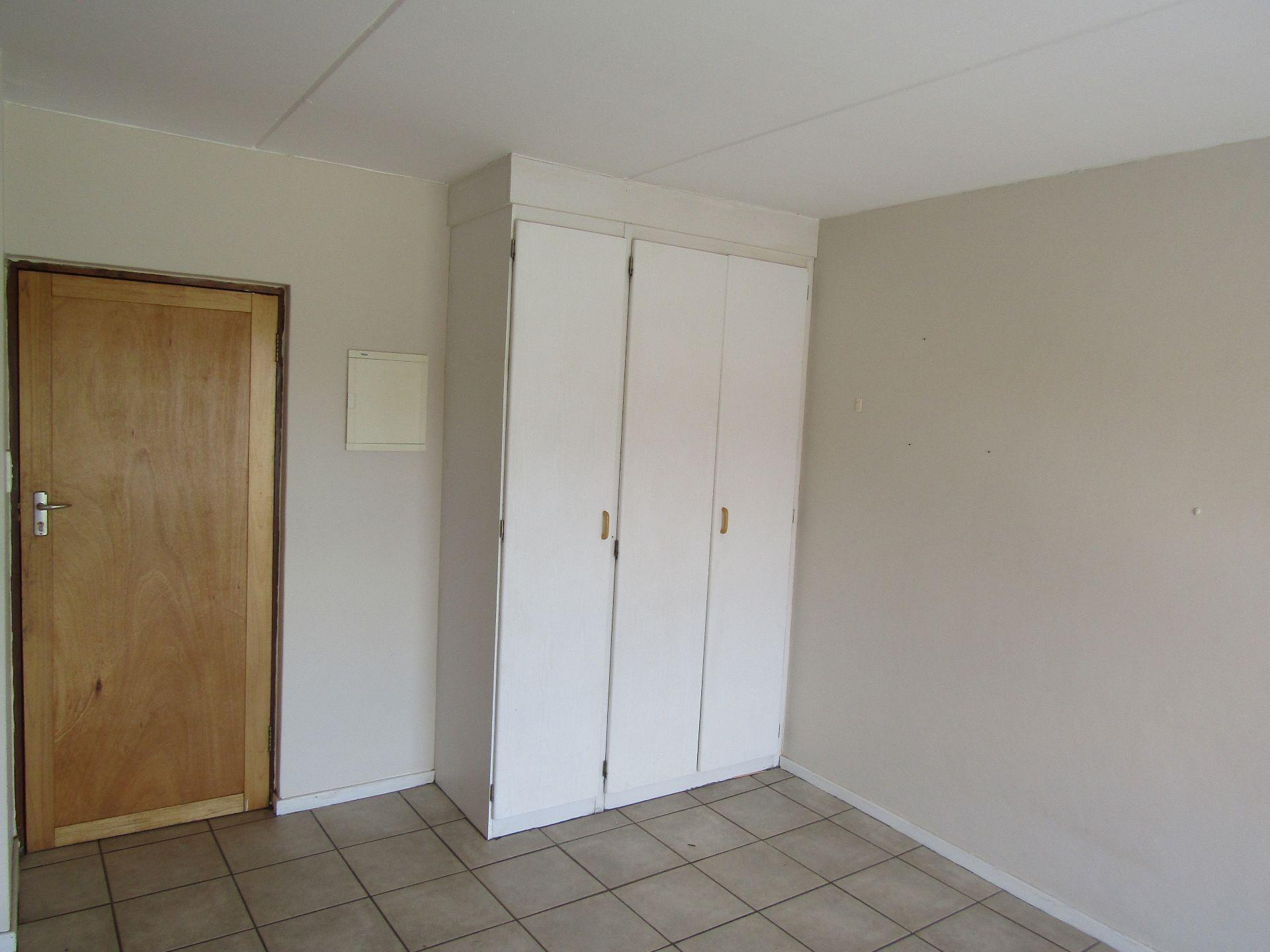 Kannoniers Park property for sale. Ref No: 13510733. Picture no 11
