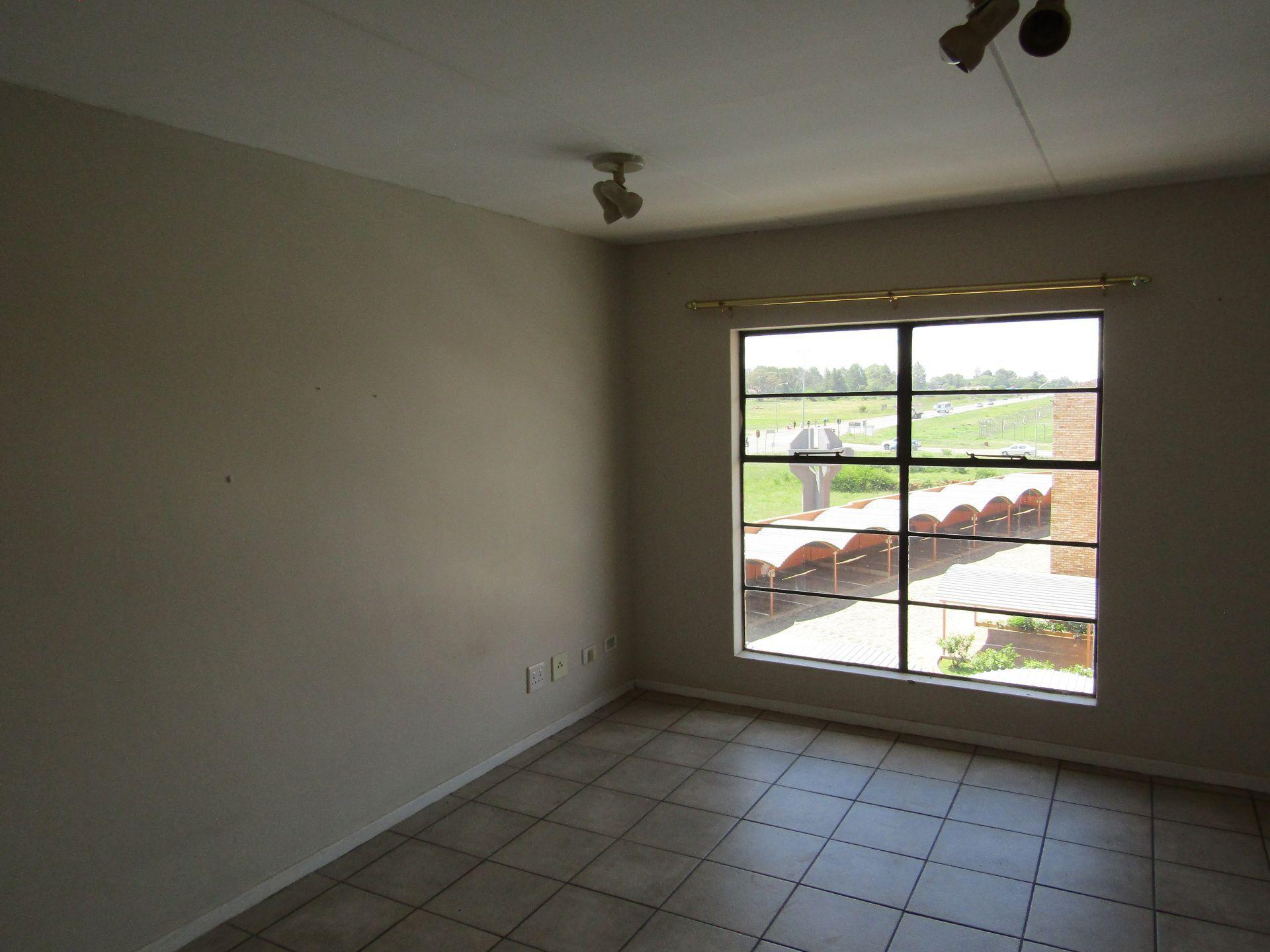 Kannoniers Park property for sale. Ref No: 13510733. Picture no 12
