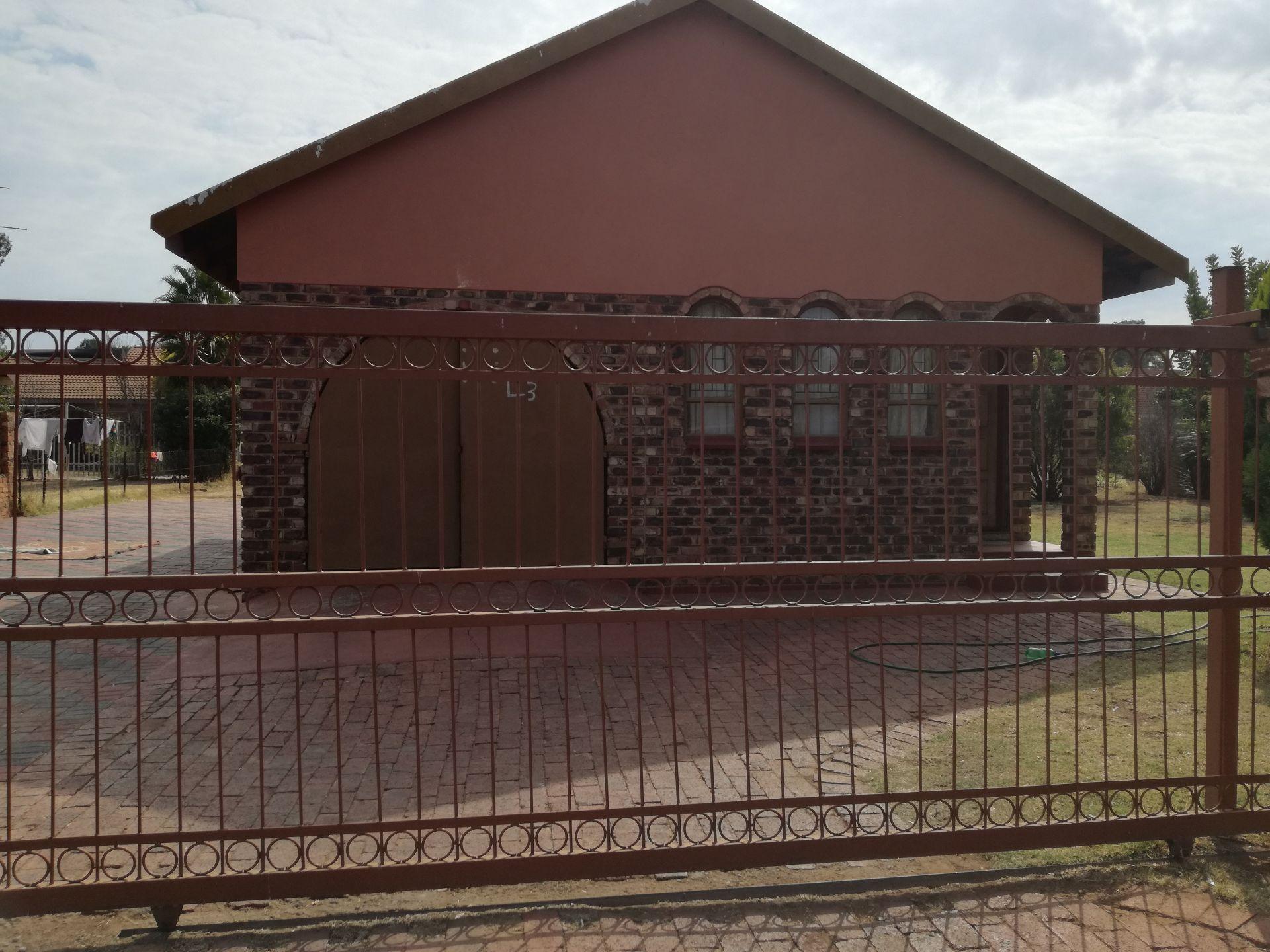 Dassie Rand property for sale. Ref No: 13516236. Picture no 2
