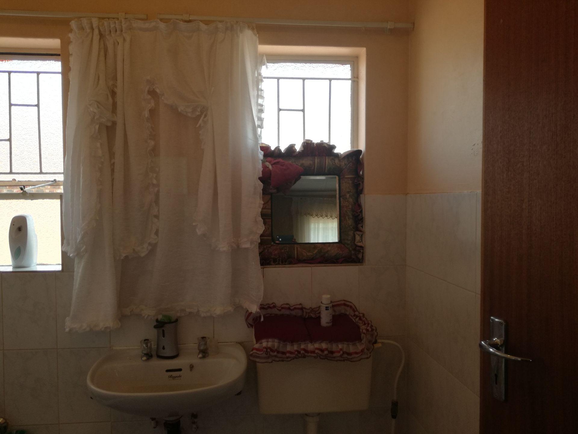 Dassie Rand property for sale. Ref No: 13516236. Picture no 17