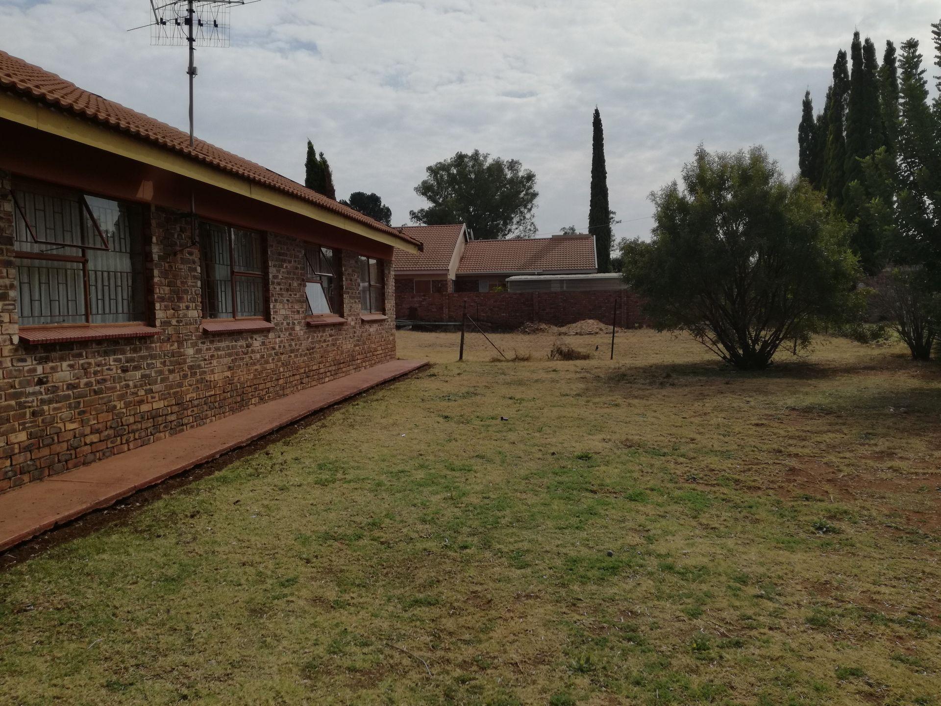 Dassie Rand property for sale. Ref No: 13516236. Picture no 6