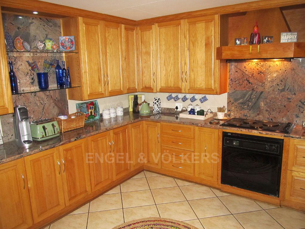 Van Der Hoff Park property for sale. Ref No: 13522595. Picture no 6
