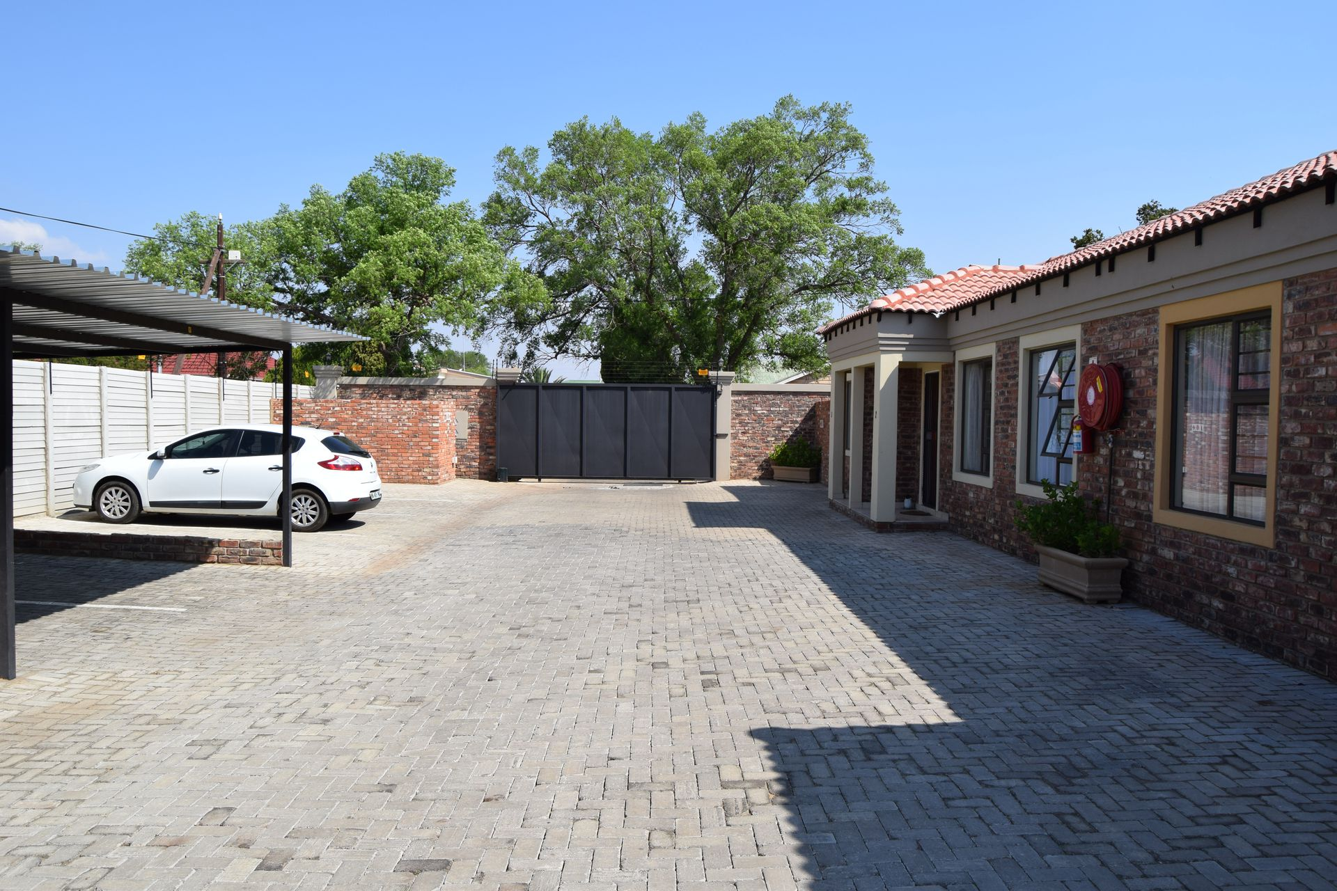 Potchefstroom Central property for sale. Ref No: 13537654. Picture no 2