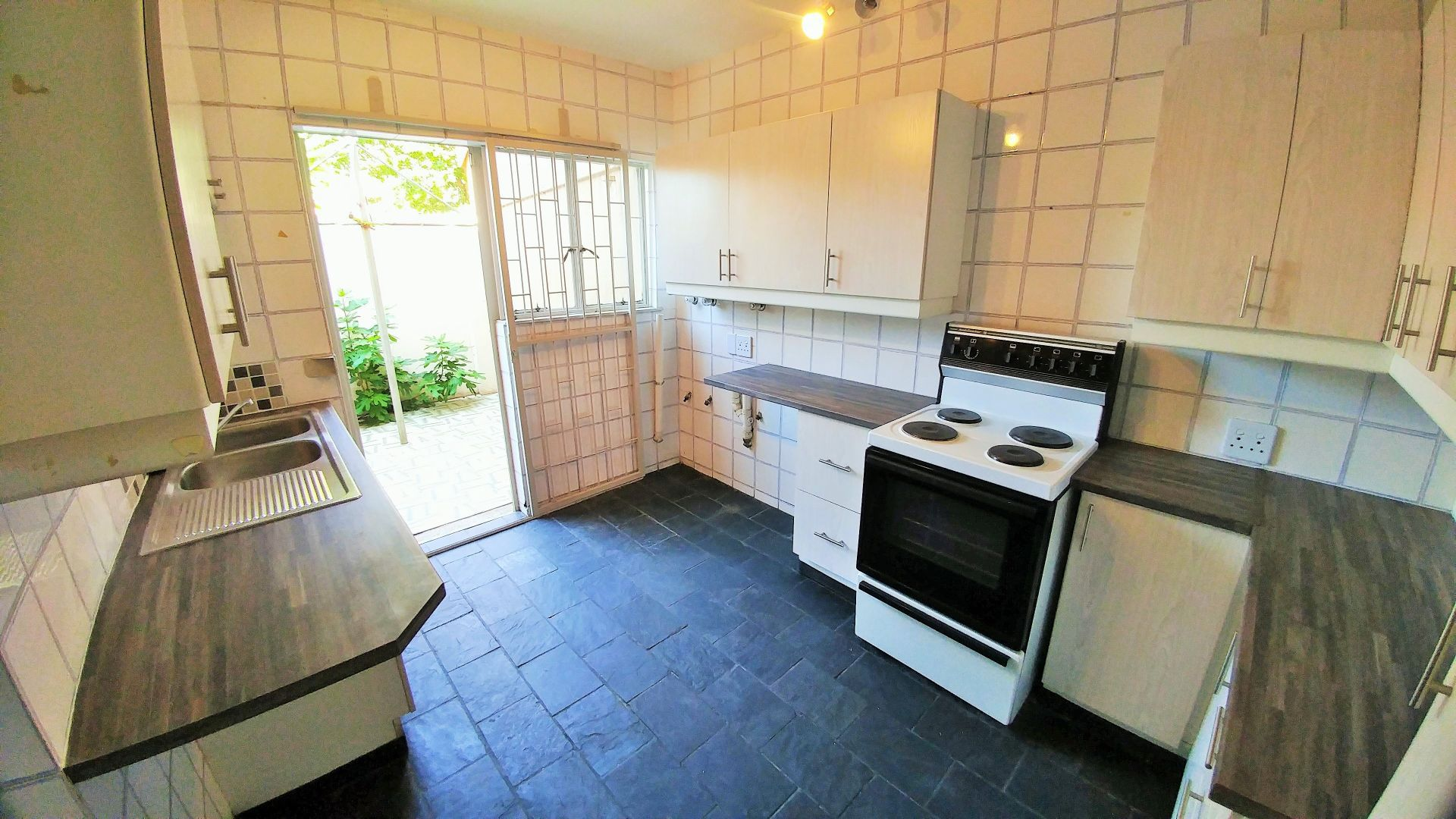 Potchefstroom Central property for sale. Ref No: 13547446. Picture no 7