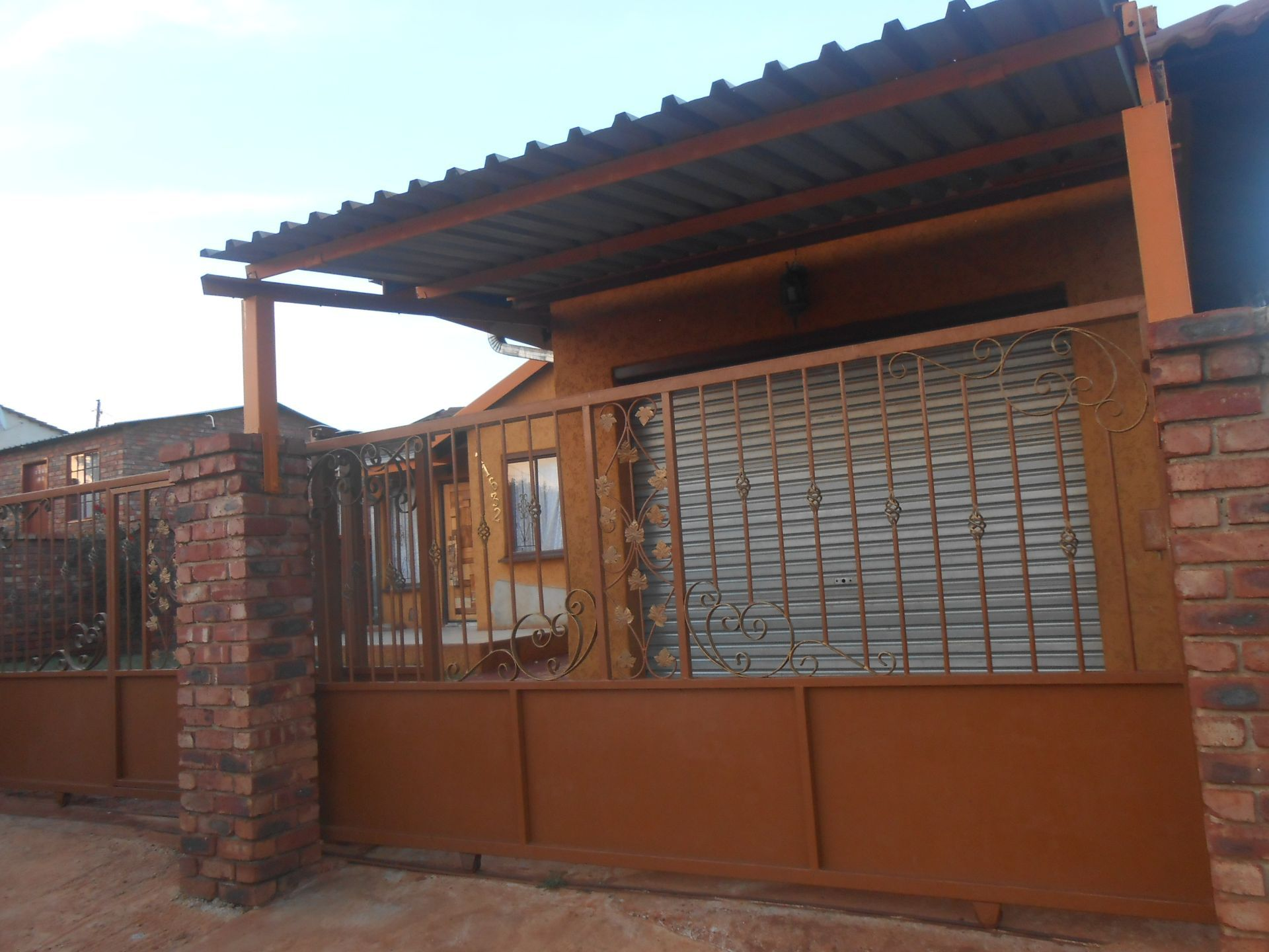 Ikageng property for sale. Ref No: 13548729. Picture no 2