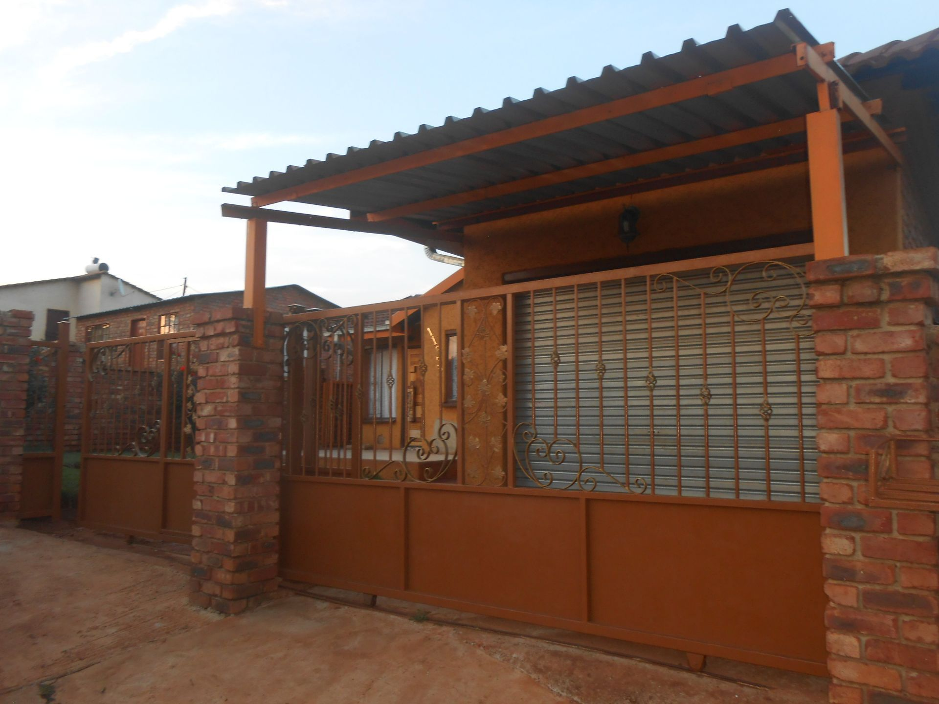 Ikageng property for sale. Ref No: 13548729. Picture no 3