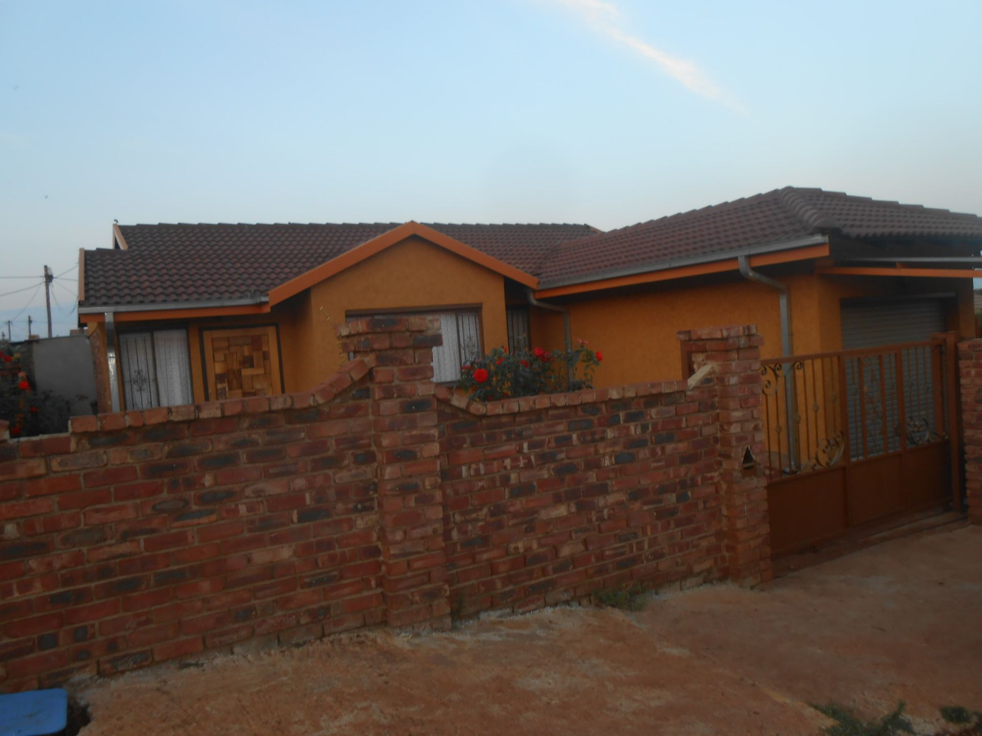 Ikageng property for sale. Ref No: 13548729. Picture no 4