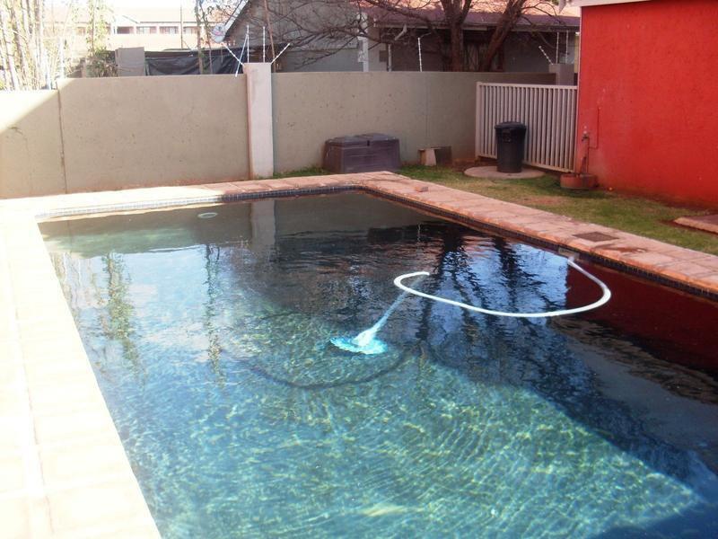 Potchefstroom property to rent. Ref No: 13550672. Picture no 13