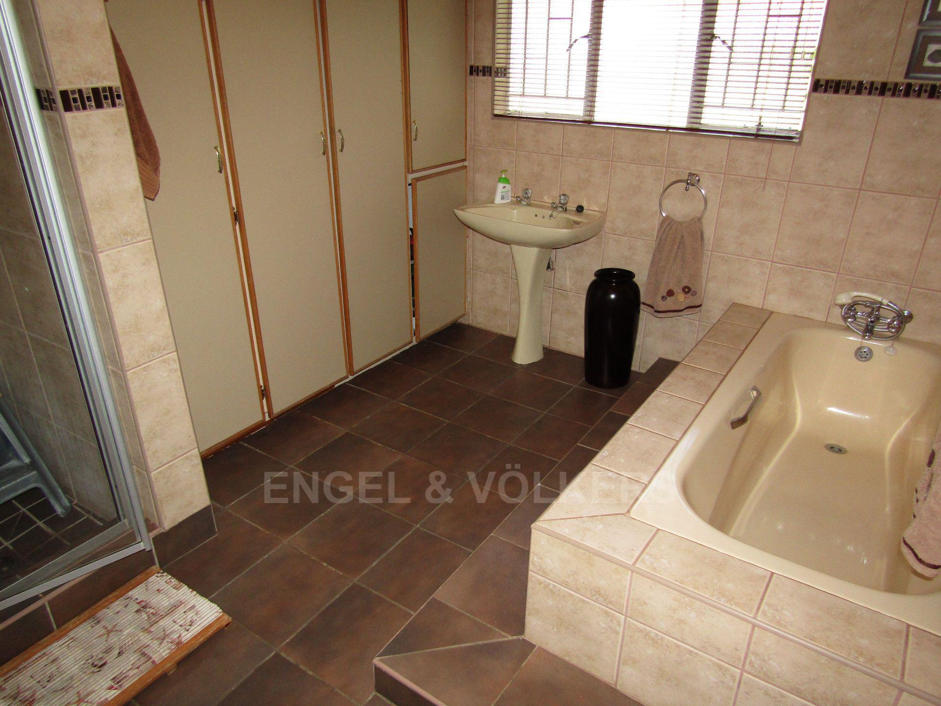 Van Der Hoff Park property for sale. Ref No: 13565864. Picture no 22