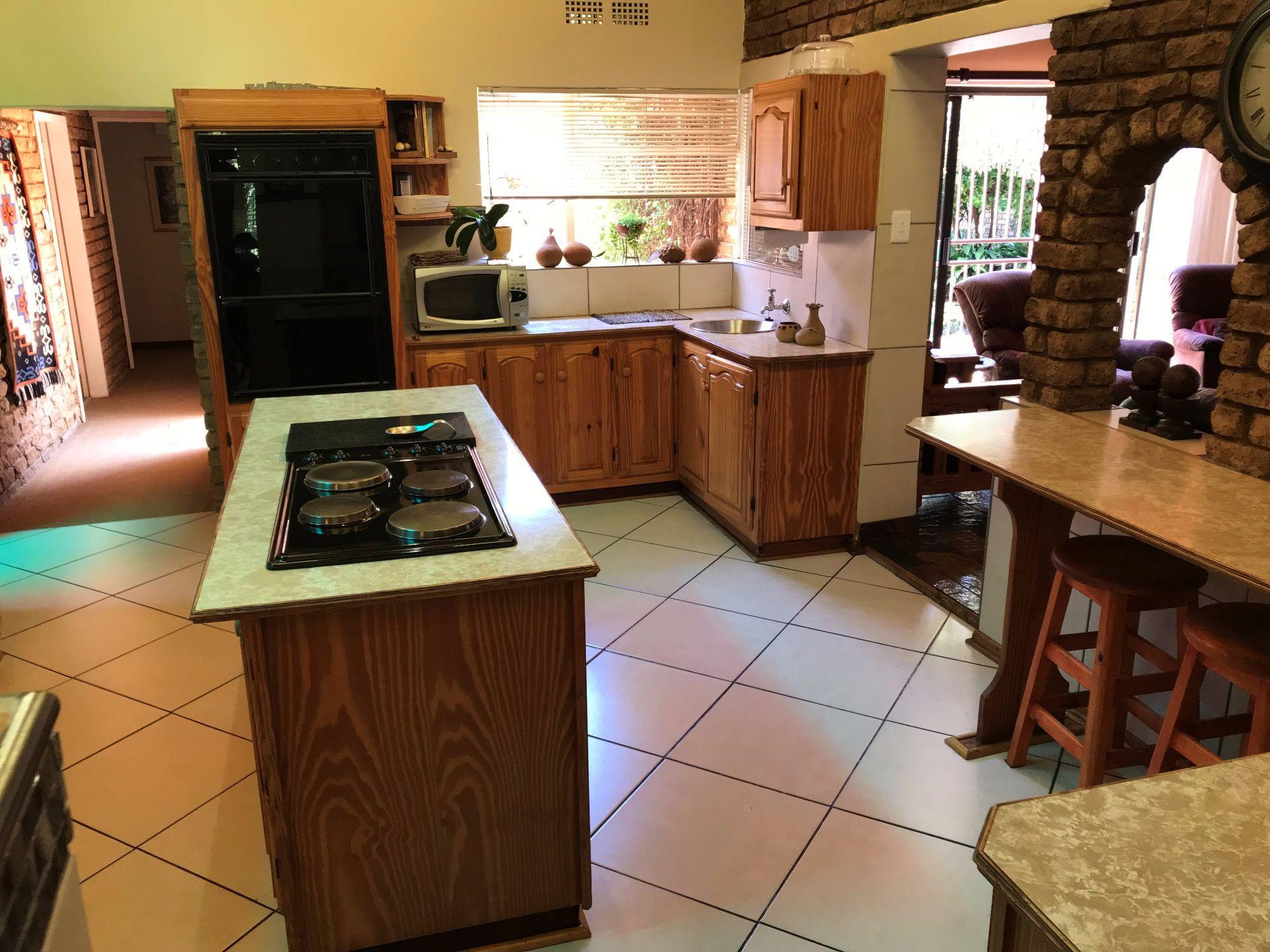Van Der Hoff Park property for sale. Ref No: 13565864. Picture no 10