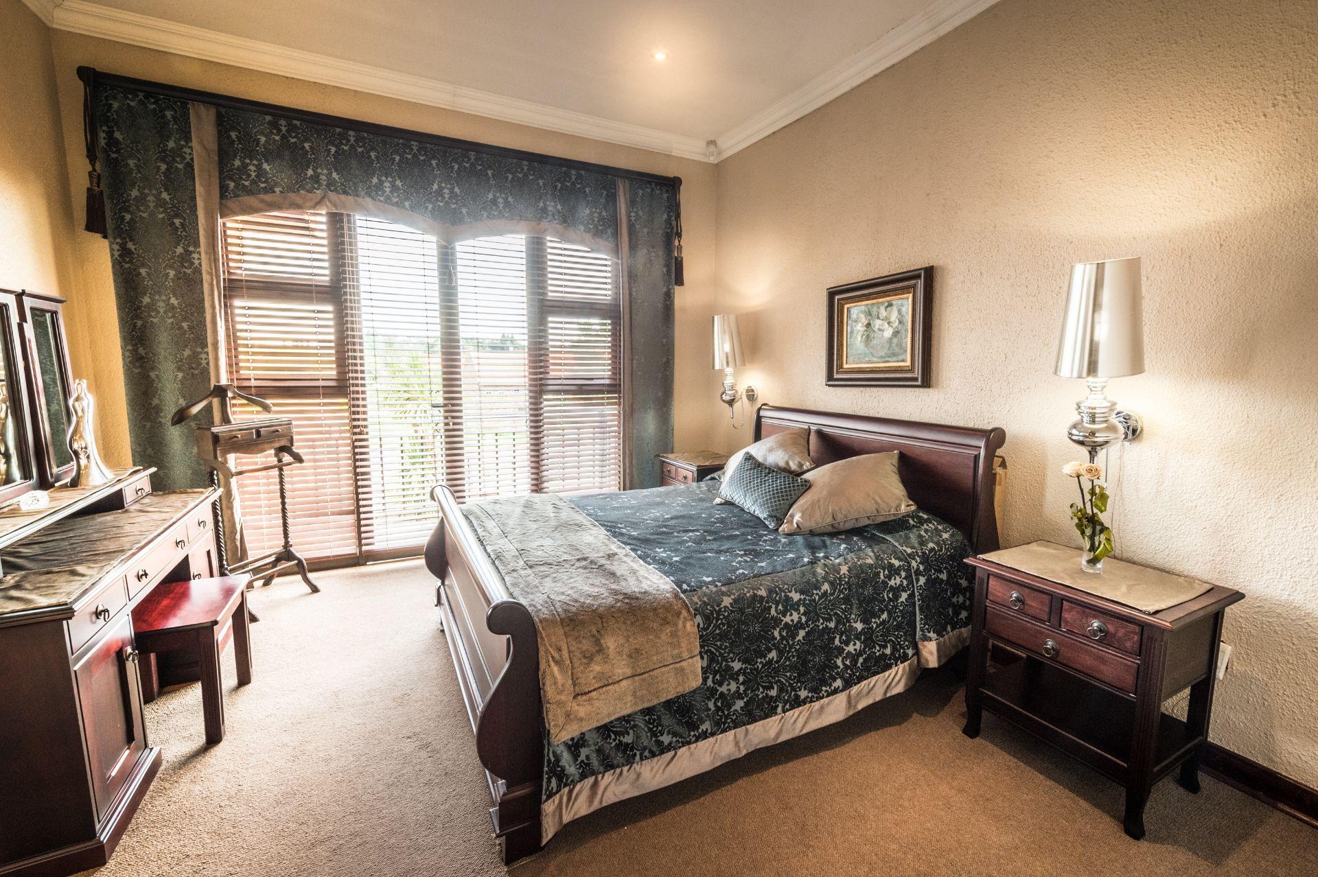 Baillie Park property for sale. Ref No: 13588231. Picture no 22