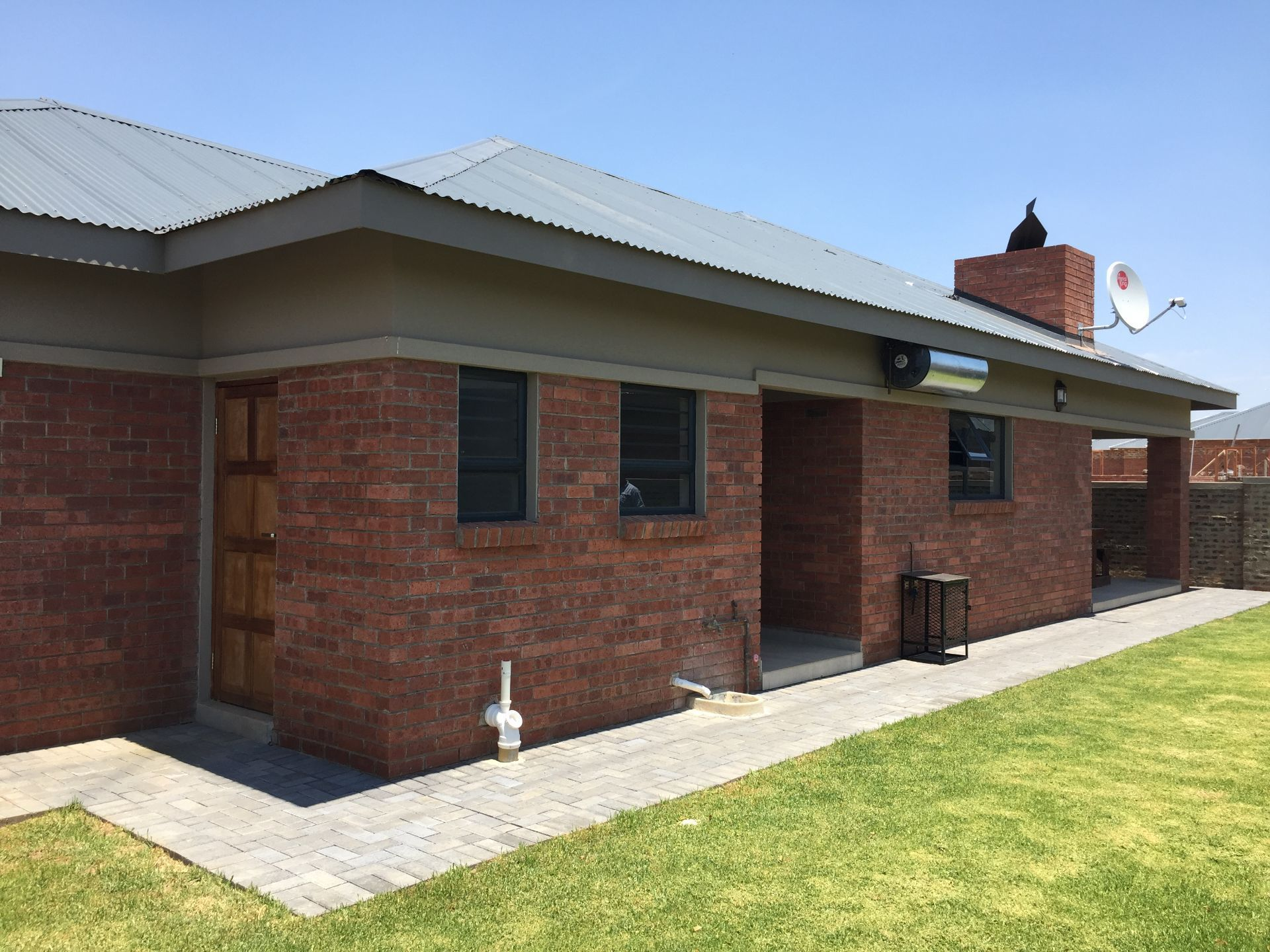 Property and Houses to rent in Vyfhoek, Simplex, 3 Bedrooms - ZAR , 10,00*,M