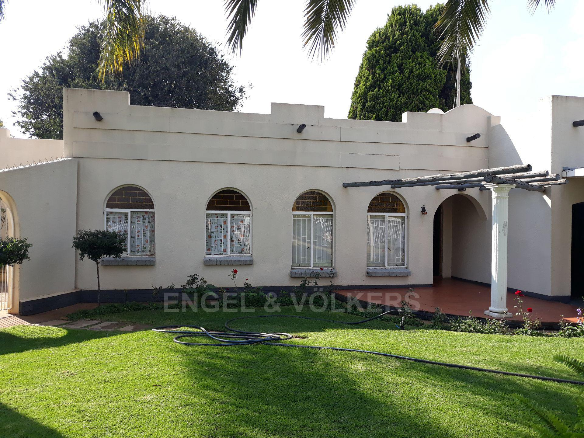 Property and Houses to rent in Potchefstroom Central, House, 3 Bedrooms - ZAR , 11,00*,M