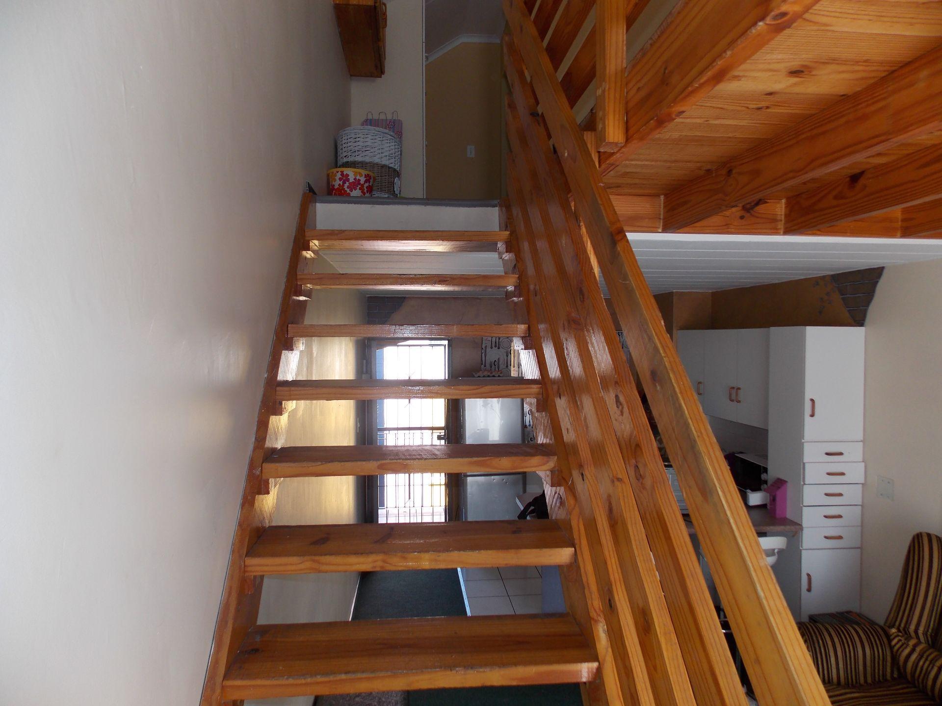 Kannoniers Park property for sale. Ref No: 13623610. Picture no 7