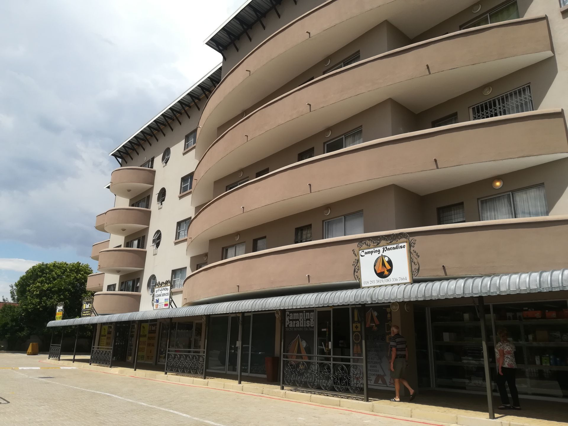 Property and Houses to rent in Potchefstroom, Apartment, 1 Bedrooms - ZAR ,  3,40*,M