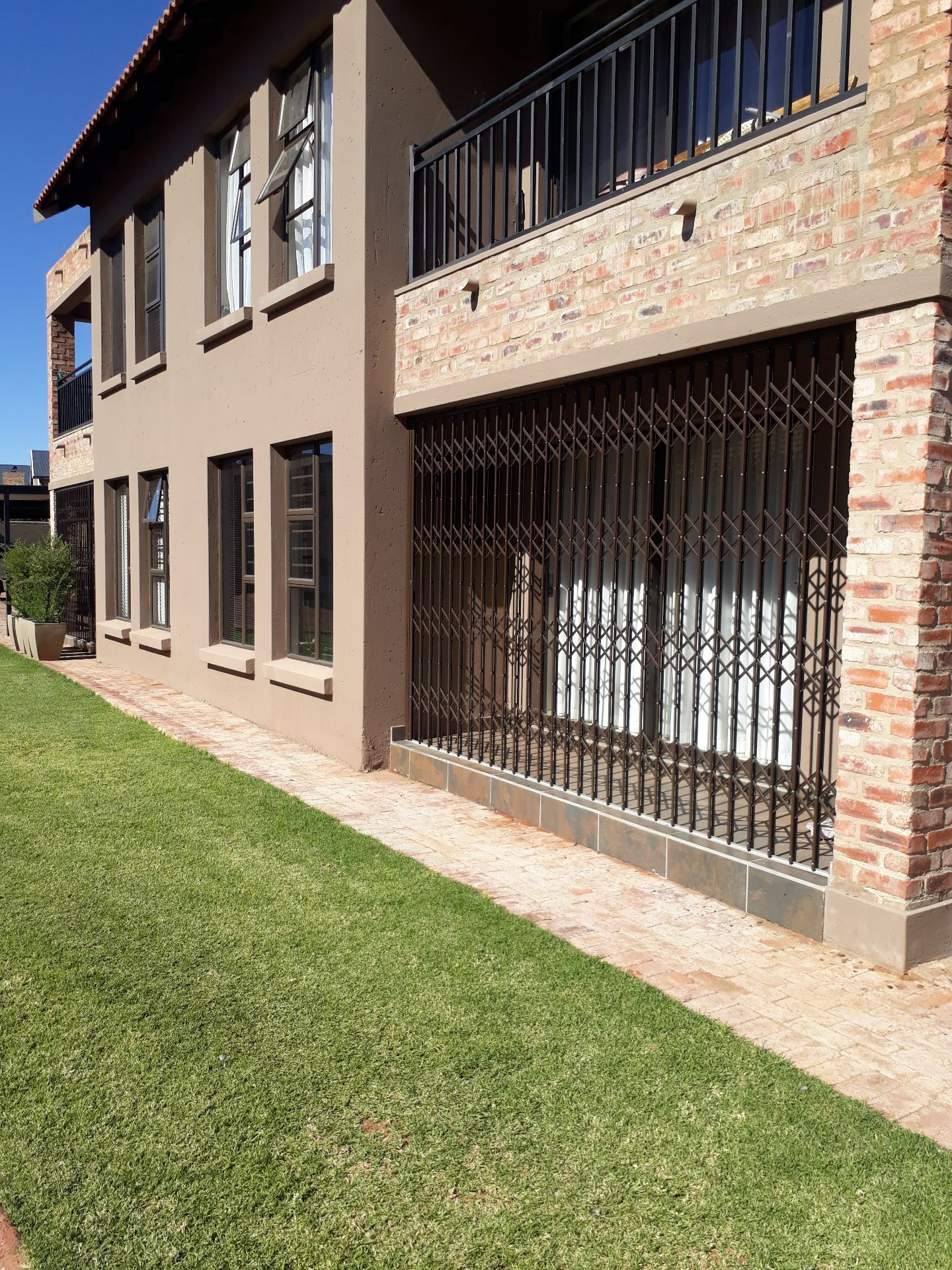 Property and Houses to rent in Tuscany Ridge, Simplex, 2 Bedrooms - ZAR ,  8,00*,M