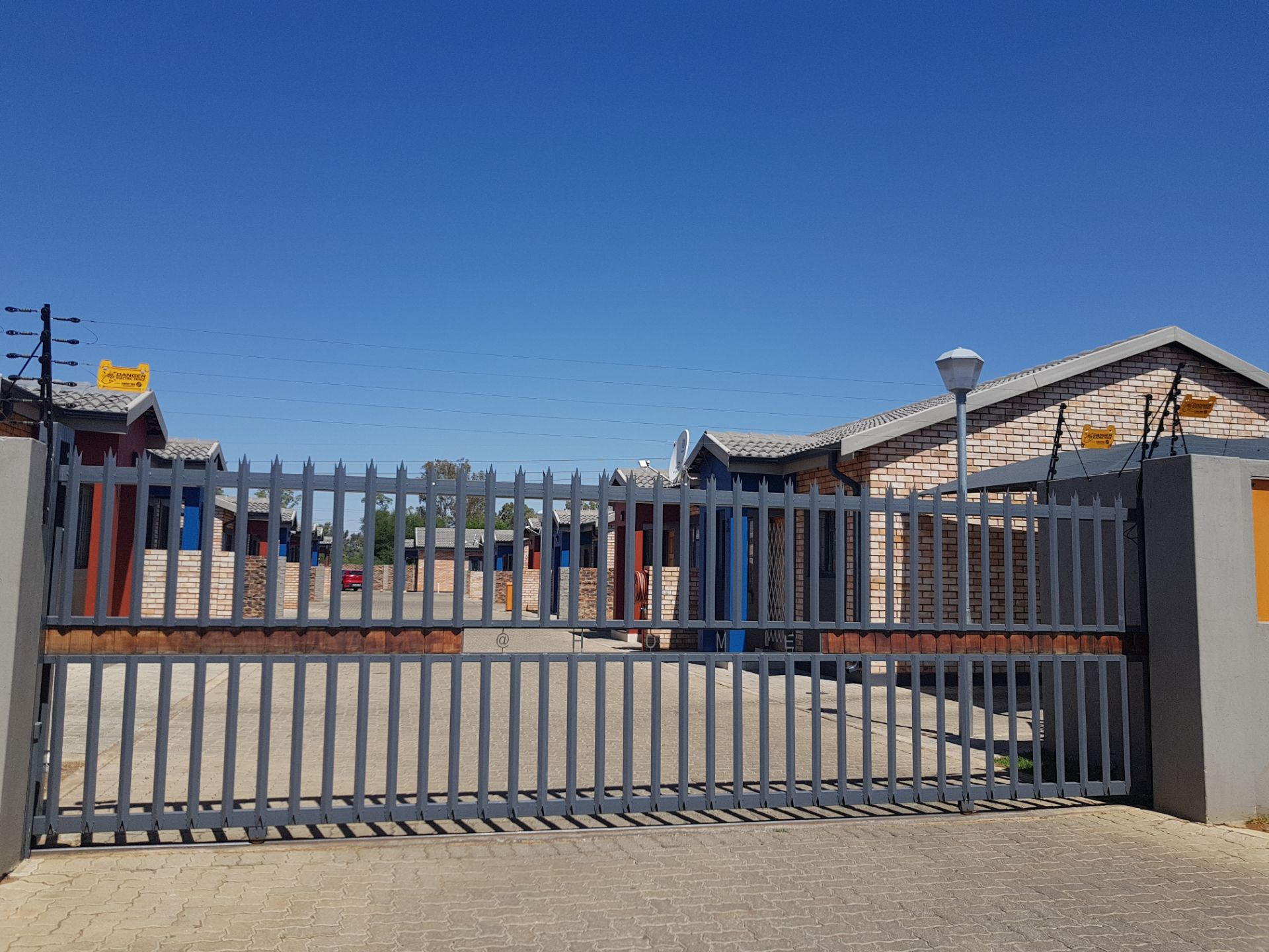 Property and Houses to rent in Dassie Rand, Simplex, 2 Bedrooms - ZAR ,  5,70*,M