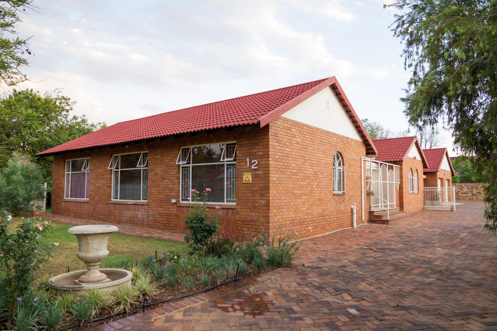 Potchefstroom, Van Der Hoff Park Property    Houses To Rent Van Der Hoff Park, VAN DER HOFF PARK, House 3 bedrooms property to rent Price:, 11,00*