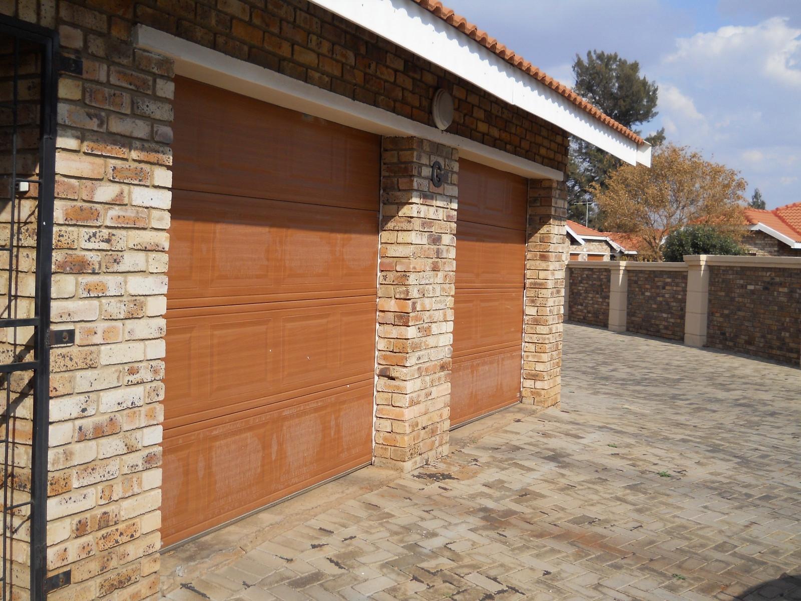 Potchefstroom, Grimbeeck Park Property    Houses To Rent Grimbeeck Park, GRIMBEECK PARK, Cluster 3 bedrooms property to rent Price:,  8,00*