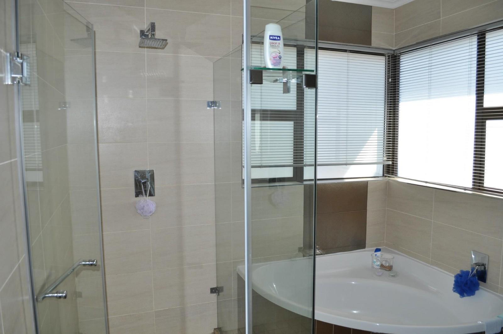 Van Der Hoff Park property to rent. Ref No: 13261161. Picture no 12
