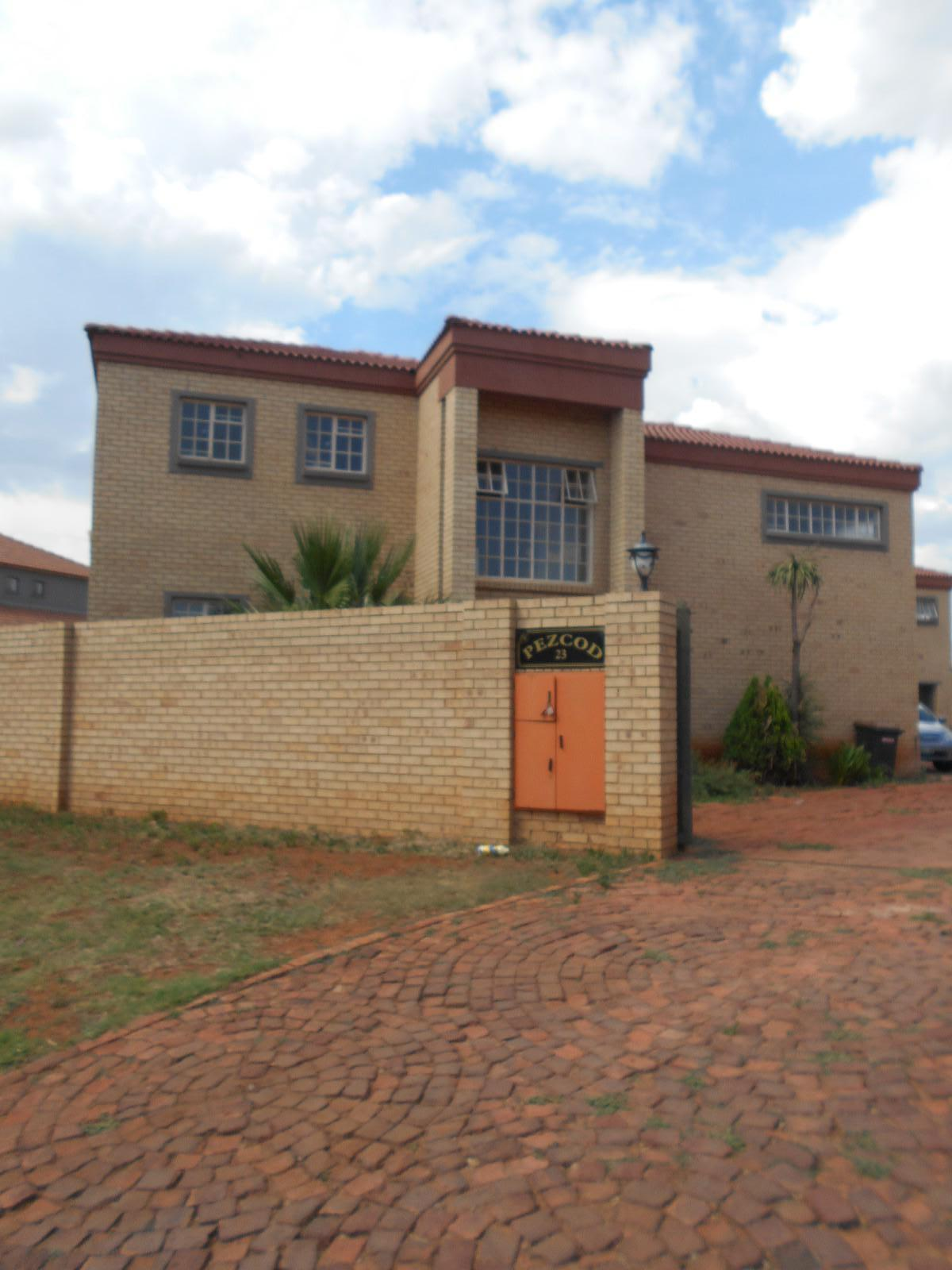 Potchefstroom, Van Der Hoff Park Property  | Houses To Rent Van Der Hoff Park, VAN DER HOFF PARK, Duplex 3 bedrooms property to rent Price:,  9,50*