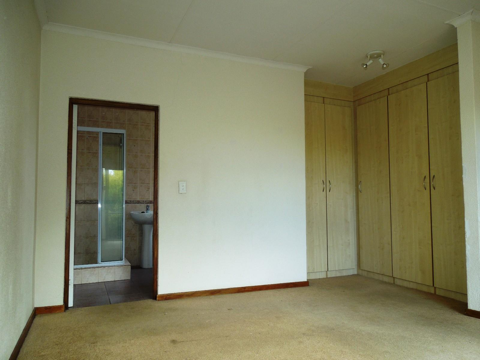 Ruimsig property to rent. Ref No: 12787309. Picture no 9