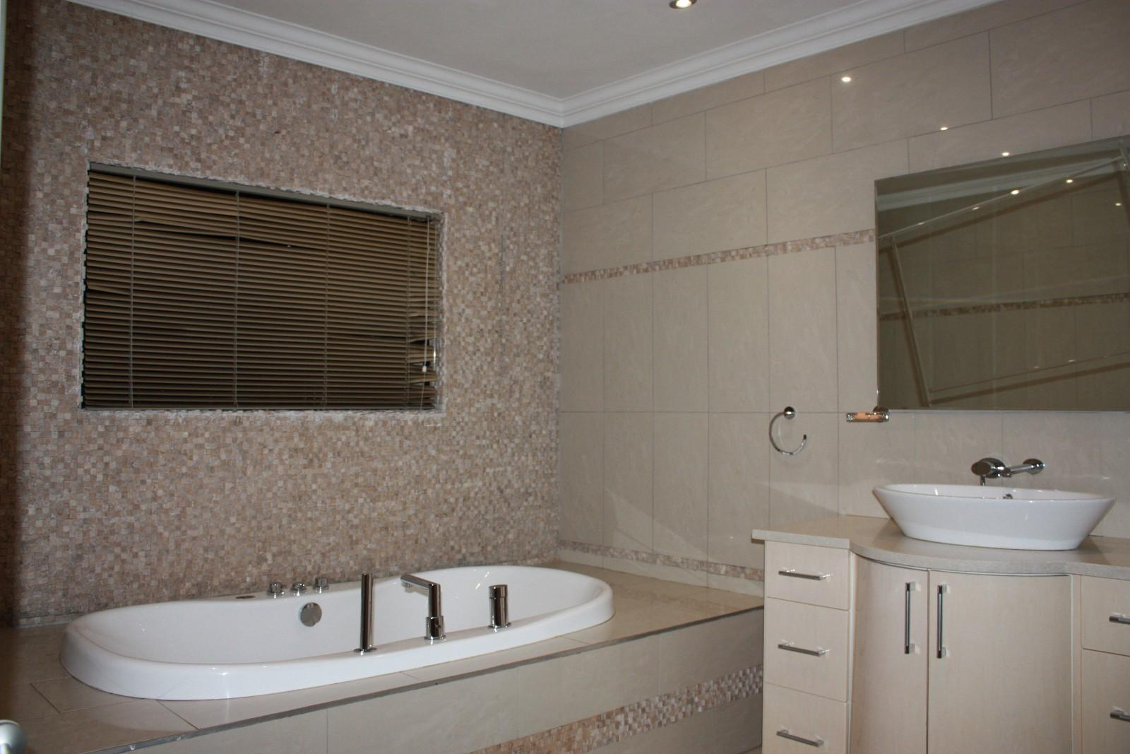 Ruimsig property for sale. Ref No: 12787389. Picture no 12