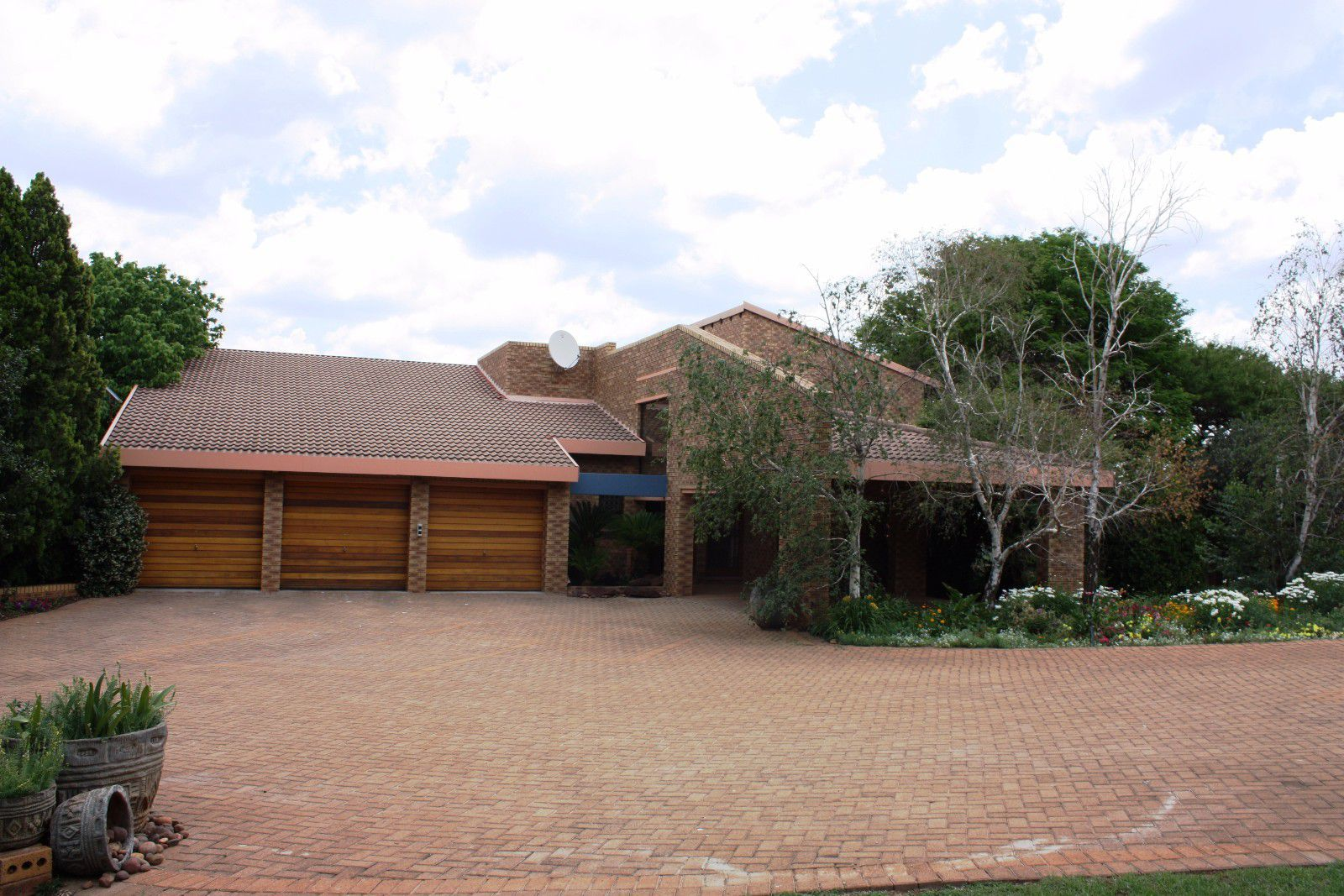 Ruimsig property for sale. Ref No: 13416193. Picture no 6