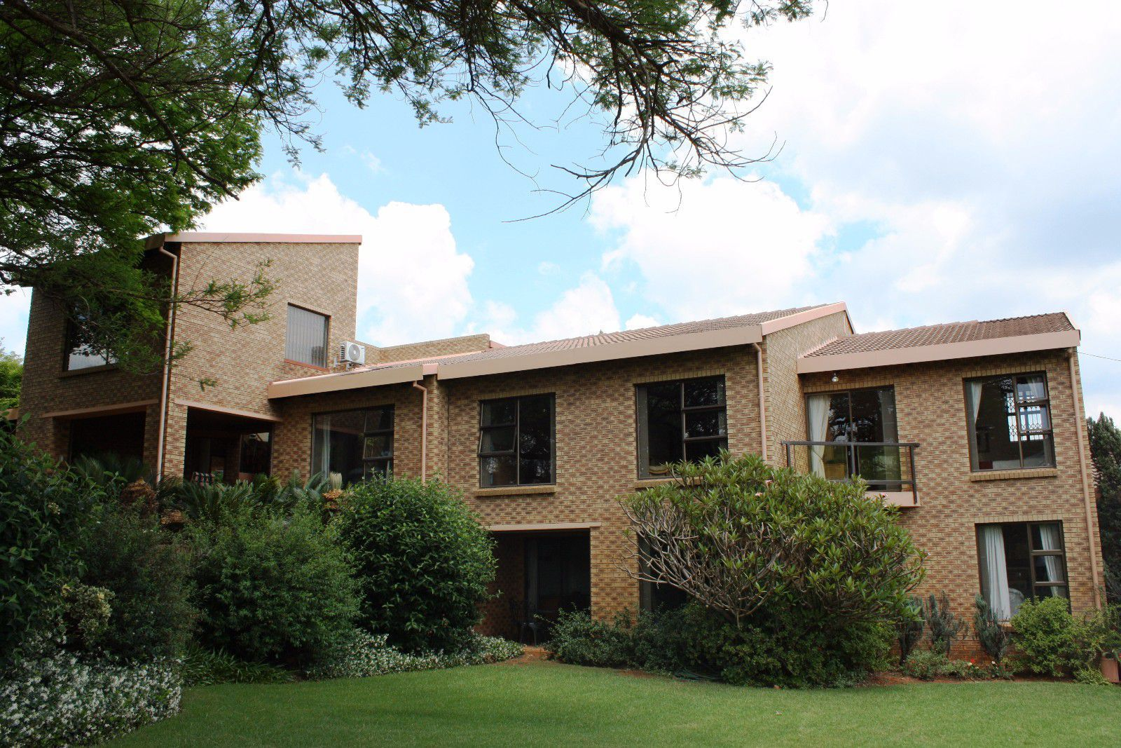 Ruimsig property for sale. Ref No: 13416193. Picture no 4