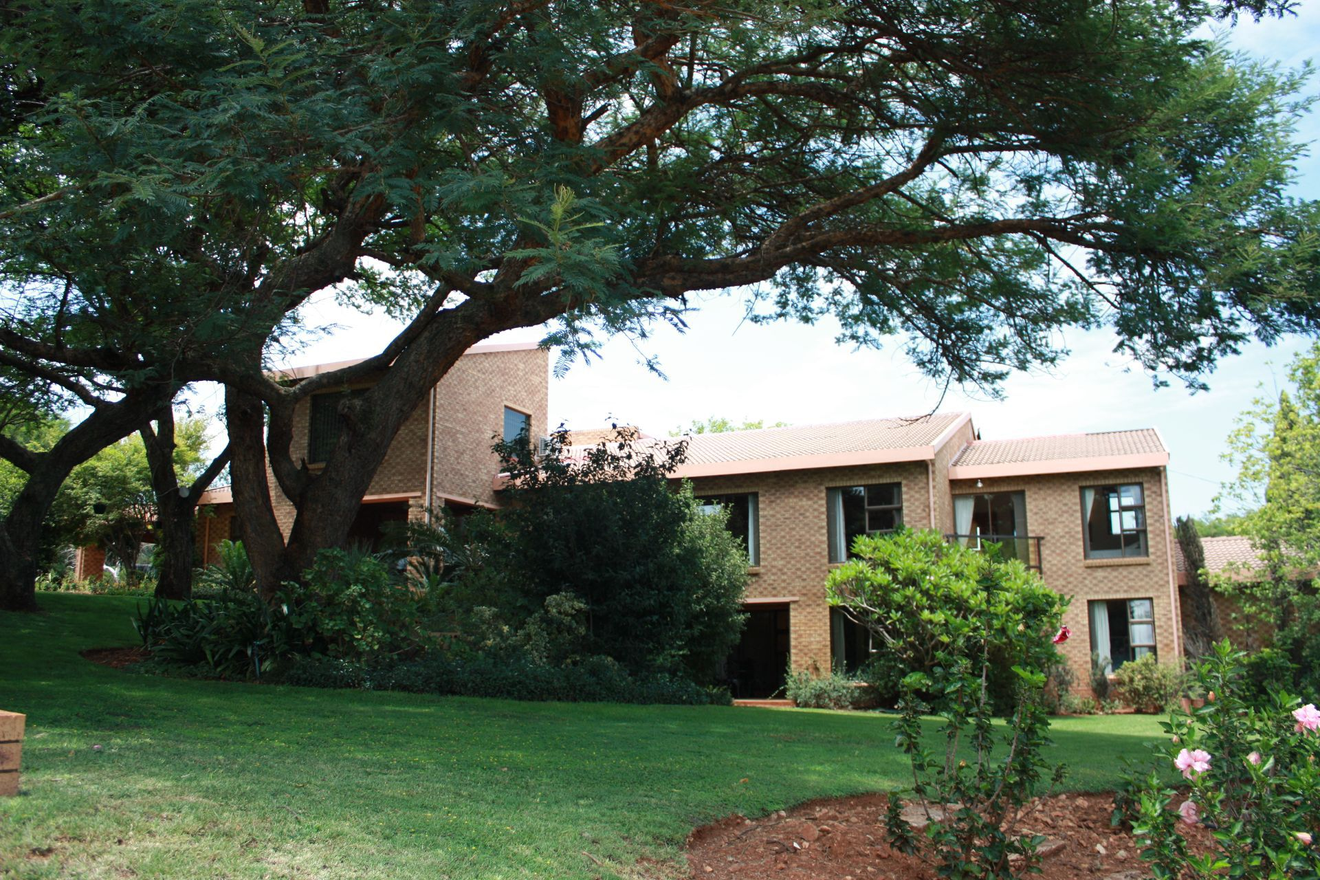 Ruimsig property for sale. Ref No: 13416193. Picture no 2