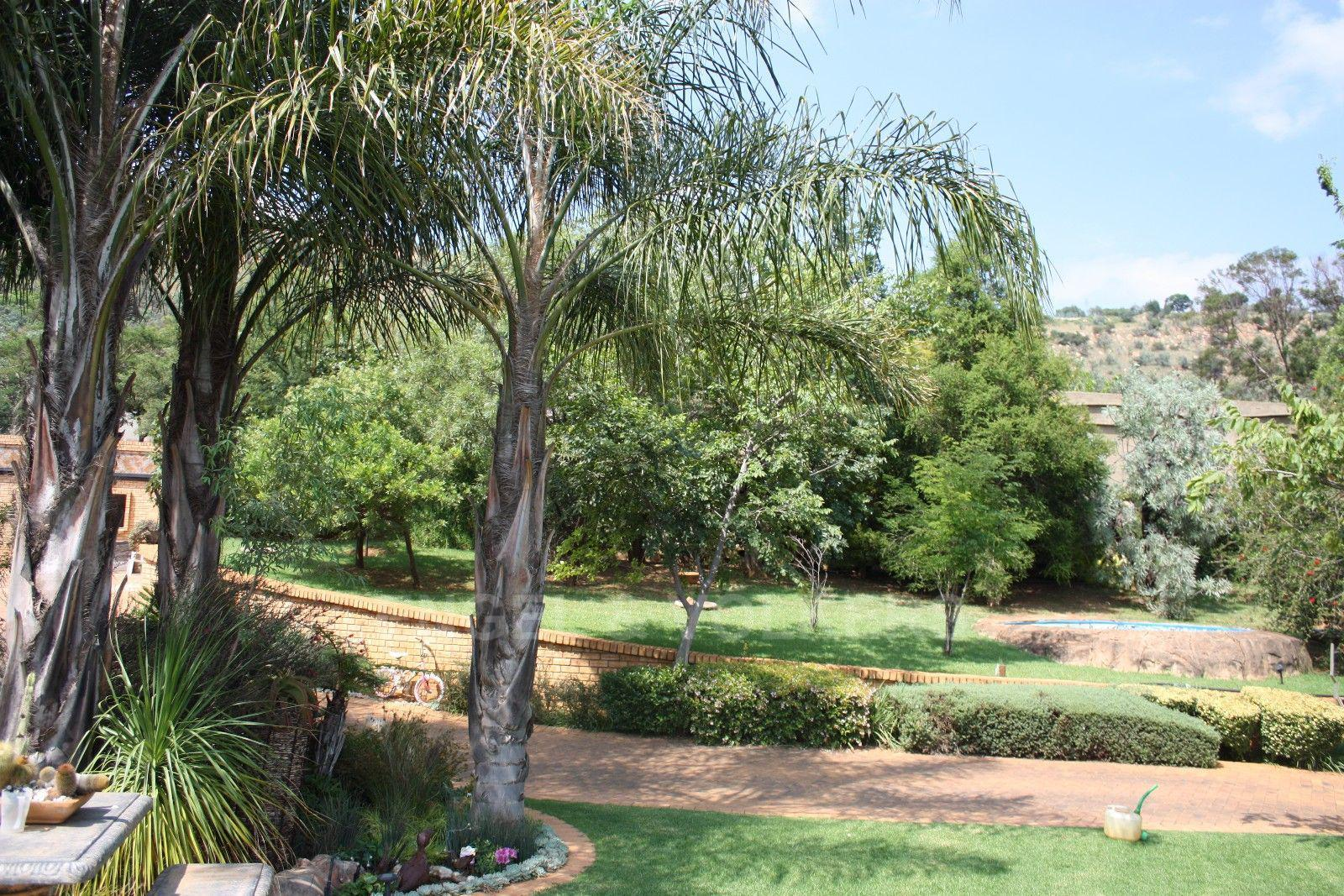 Ruimsig property for sale. Ref No: 13454097. Picture no 30