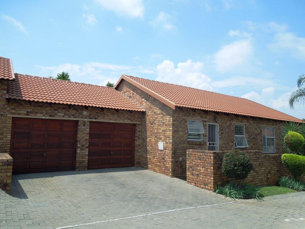 Roodepoort, Willowbrook Property  | Houses For Sale Willowbrook, WILLOWBROOK, Simplex 3 bedrooms property for sale Price:1,100,000