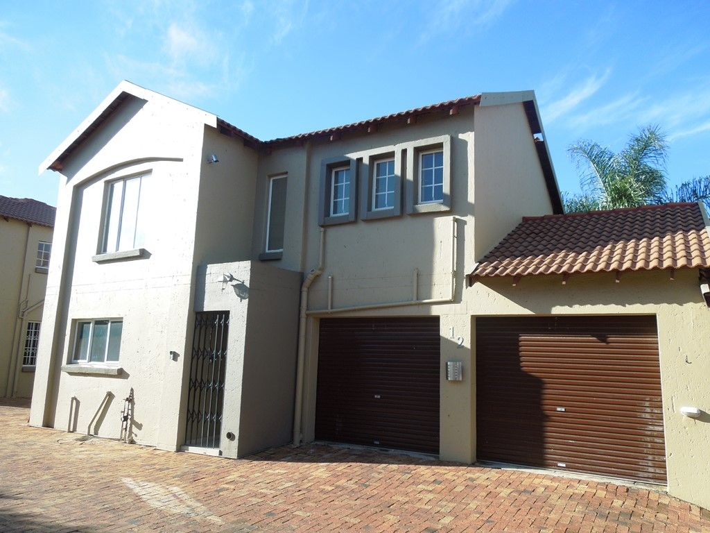 Roodepoort, Willowbrook Property  | Houses For Sale Willowbrook, WILLOWBROOK, Duplex 3 bedrooms property for sale Price:1,180,000