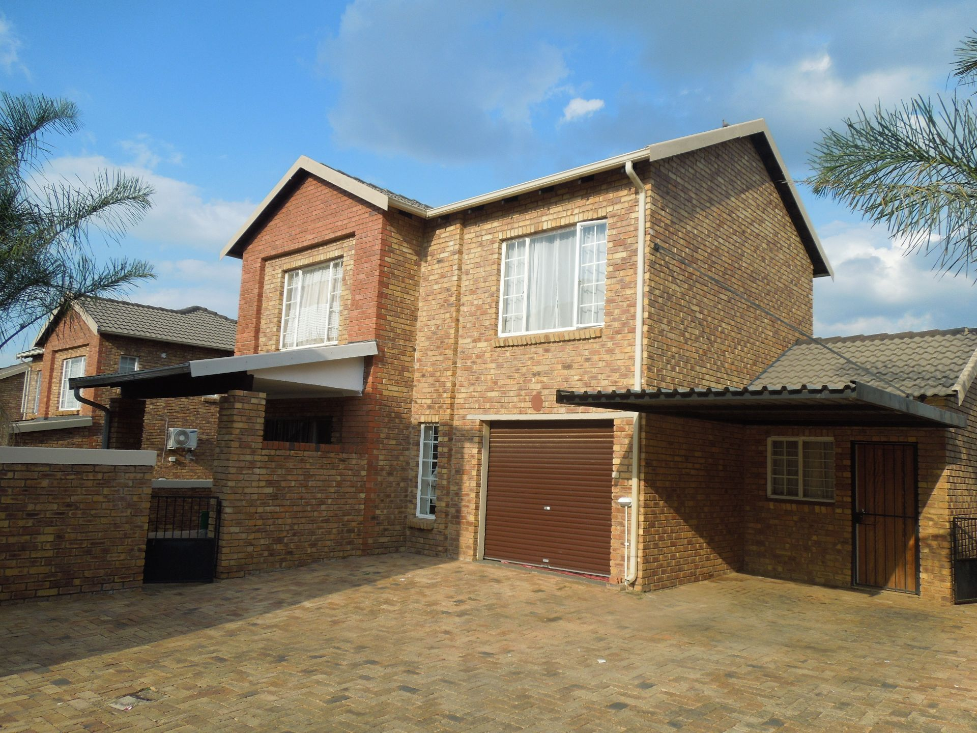 Roodepoort, Willowbrook Property  | Houses For Sale Willowbrook, WILLOWBROOK, Duplex 3 bedrooms property for sale Price:1,100,000
